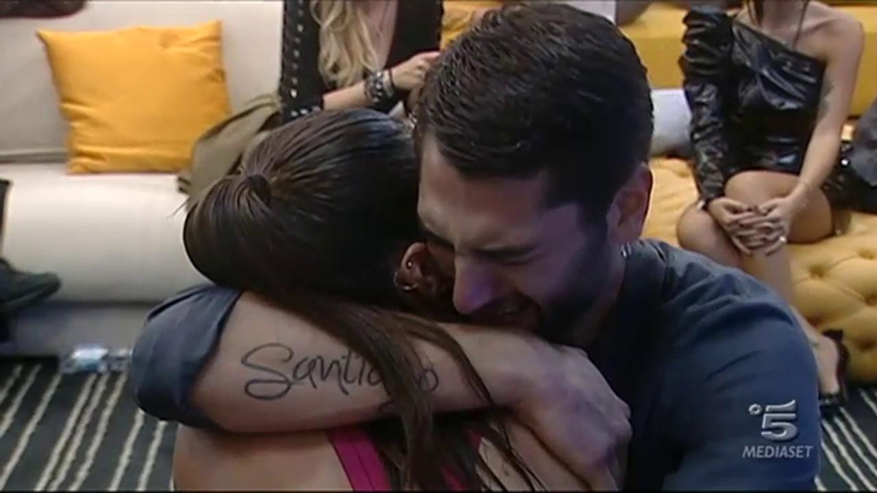 Cecilia e Jeremias Rodriguez, abbraccio al GF VIP 2