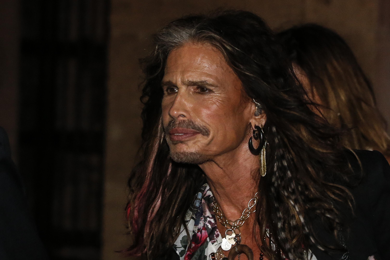 Steven Tyler malato, gli Aerosmith cancellano 4 date del tour sudamericano