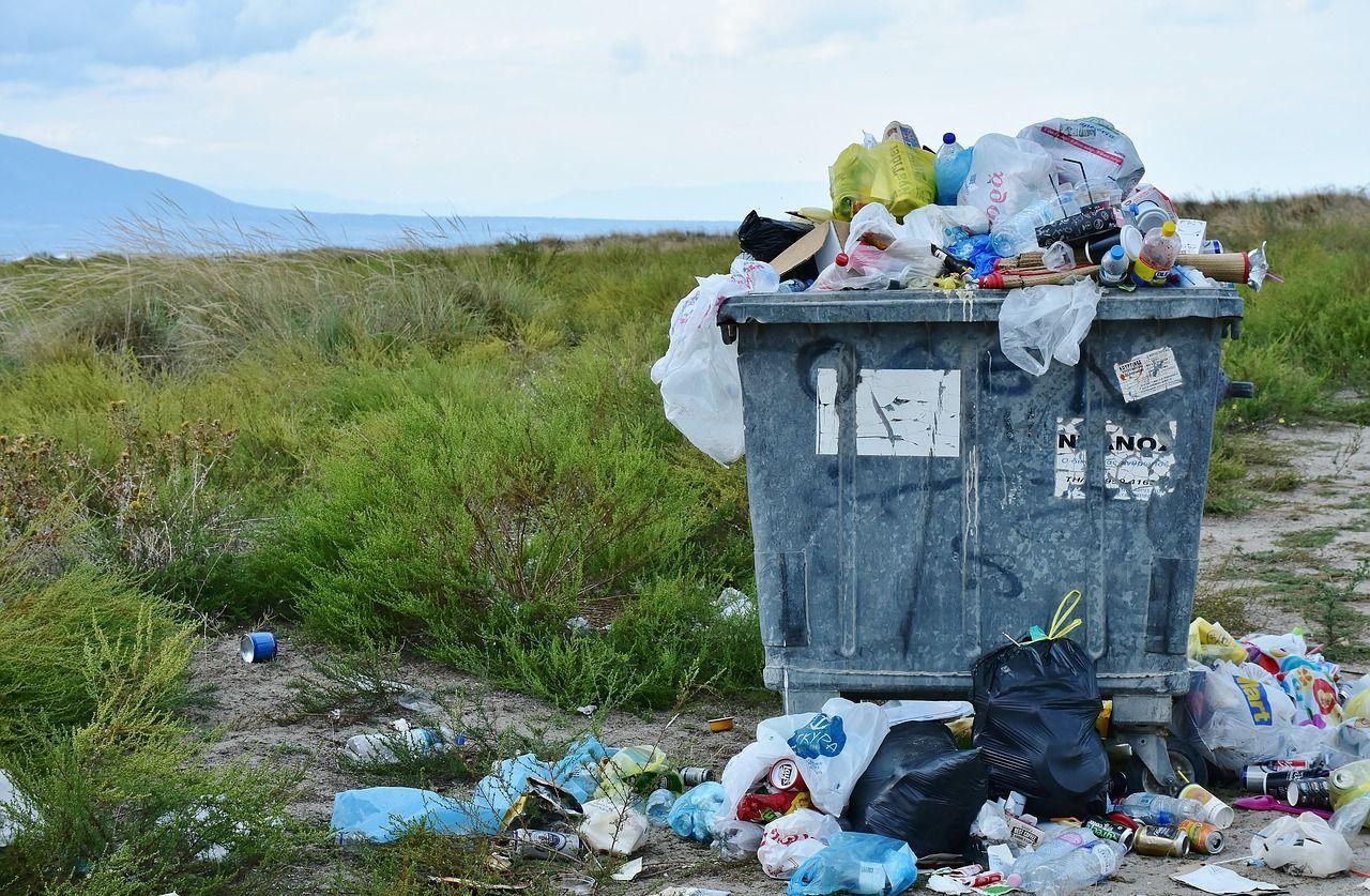 Cassazione: Tarsu e Tari ridotte in caso di grave disservizio (come l'emergenza rifiuti di Napoli)