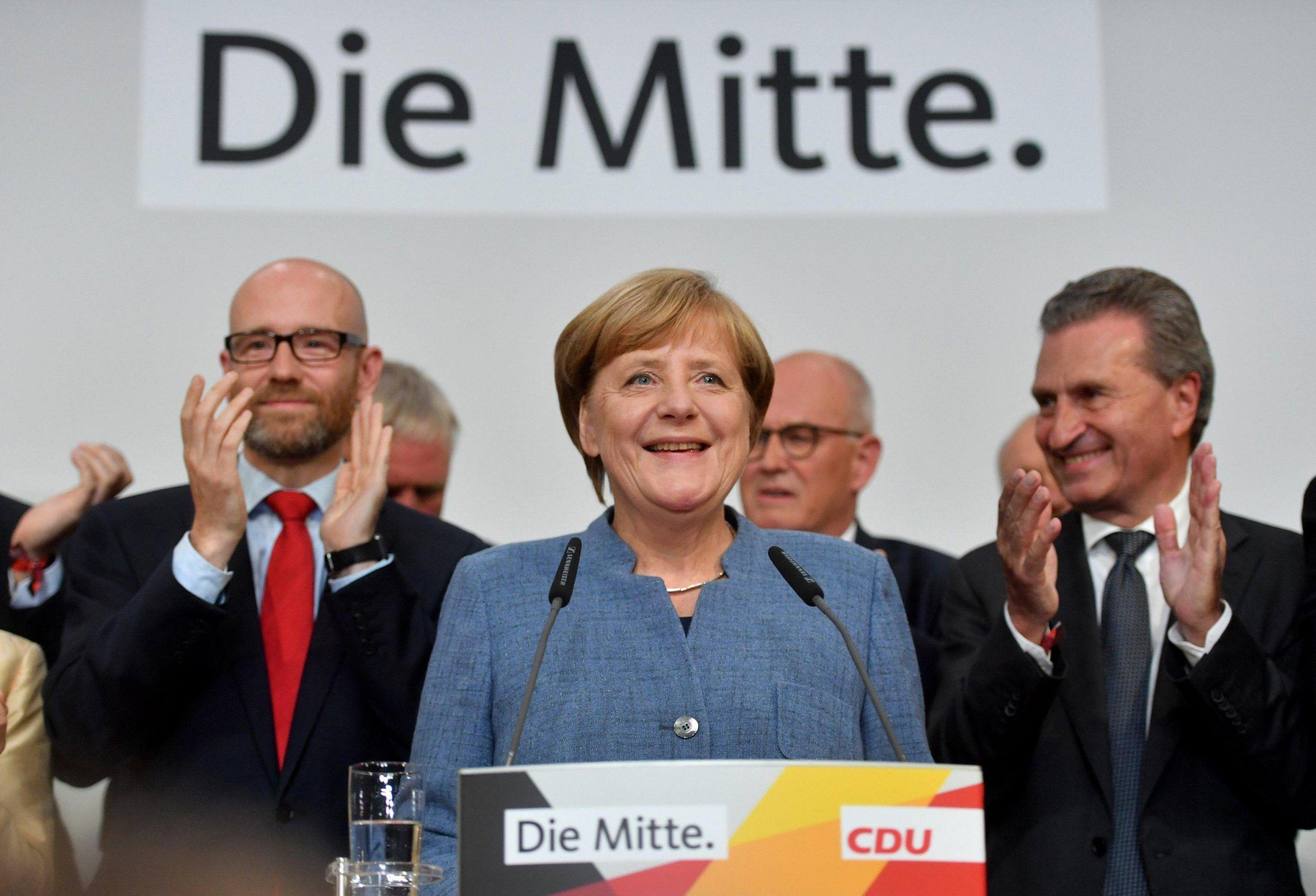 >>>/ IN GERMANIA LA MERKEL VINCE MA ARRETRA, VOLANO I POPULISTI