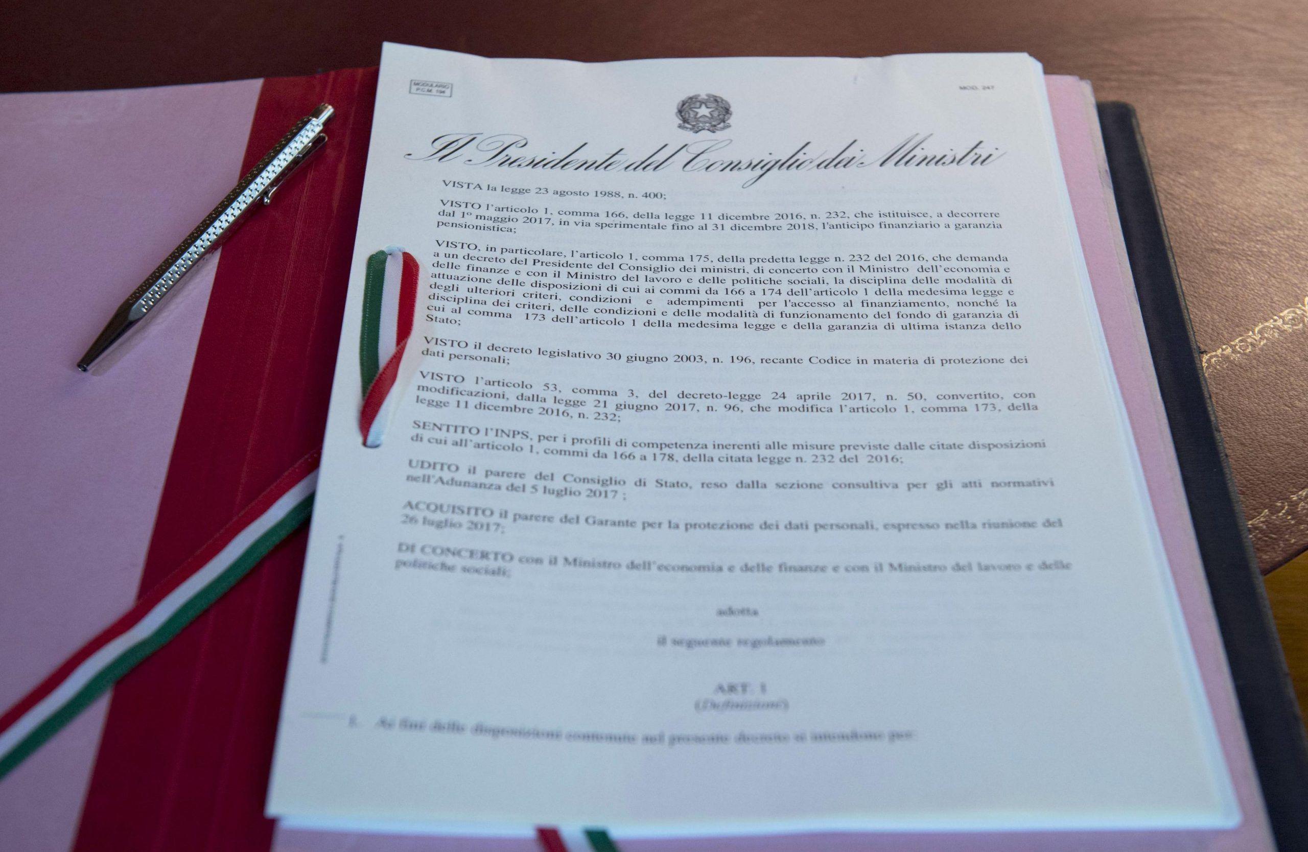 Pensioni Ape Volontaria: Gentiloni firma decreto
