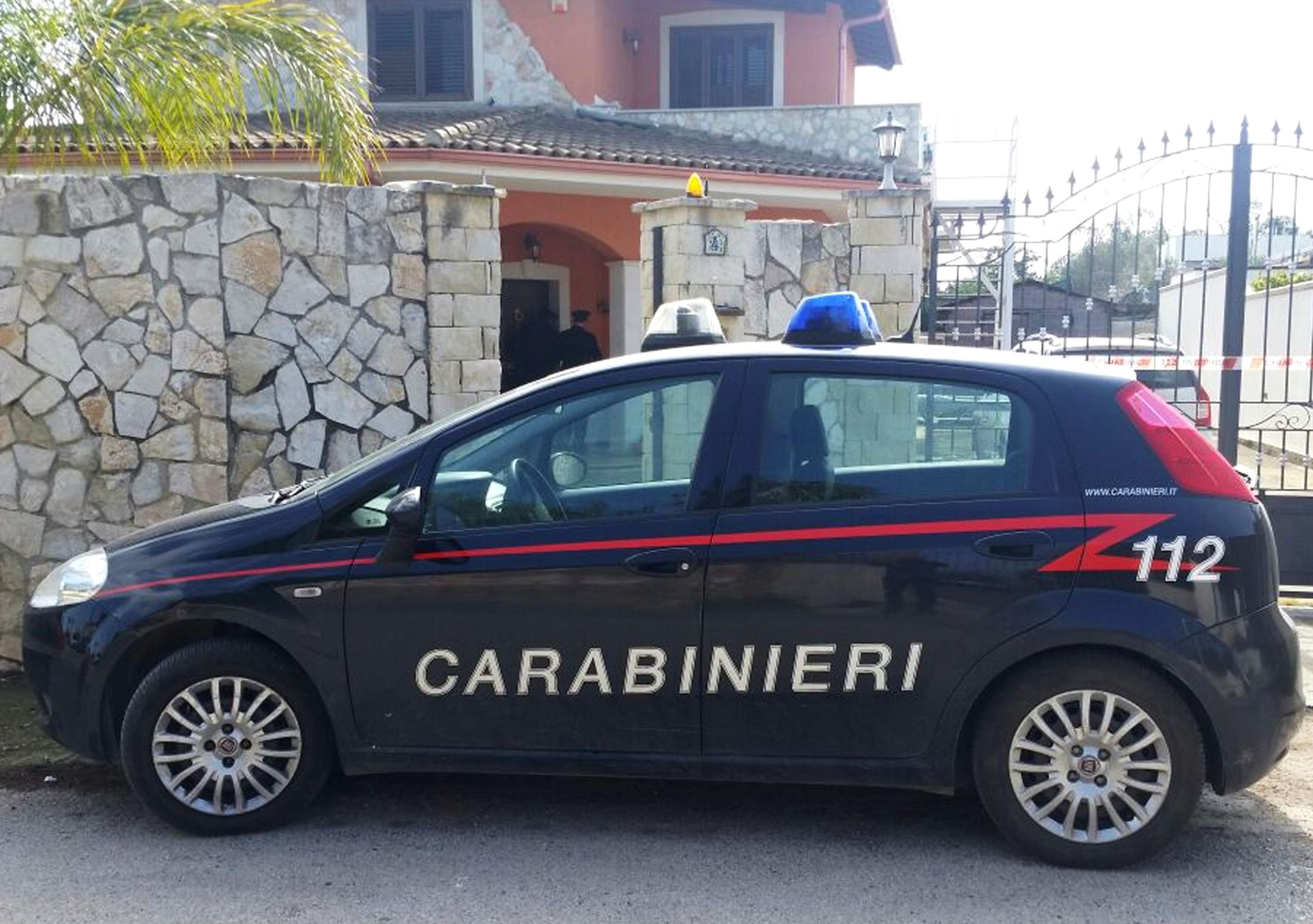 Studentesse USA violentate a Firenze da Carabinieri: indagati i due militari
