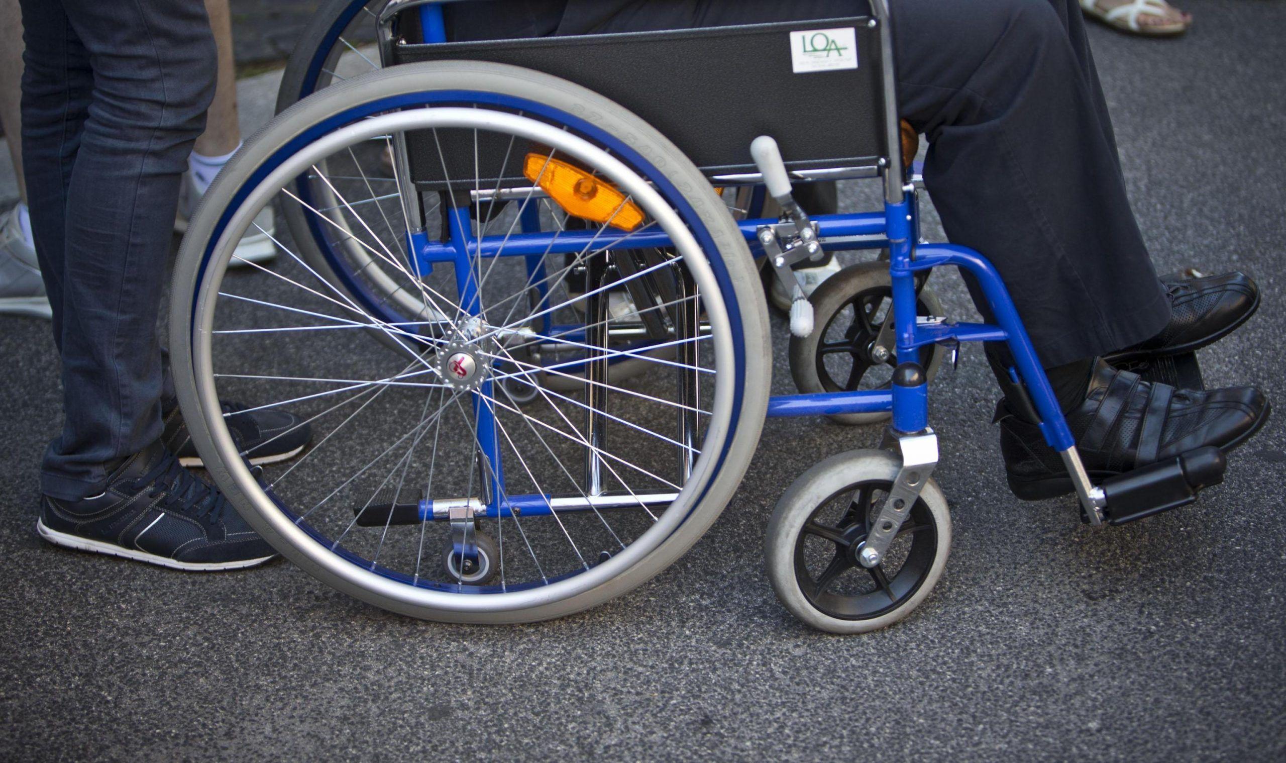 Legge 104, novità per chi assiste disabili e anziani non autosufficienti