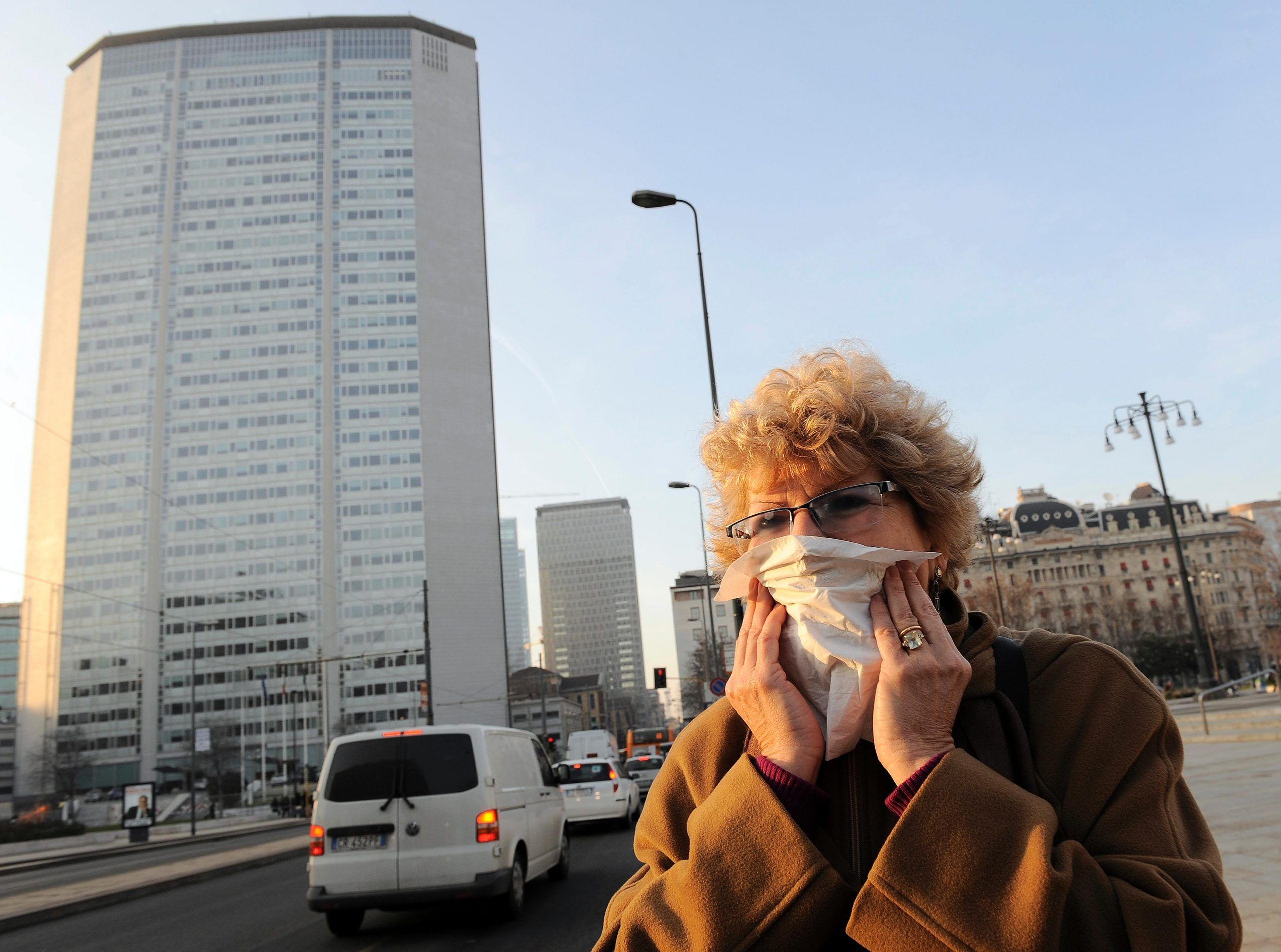 Lombardia, blocco del traffico per le auto inquinanti dal 1° ottobre