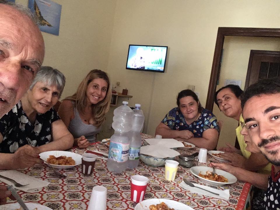 Facciamoci Compagnia, anziani soli vanno a convivere: «Non è una casa di riposo ma una famiglia»