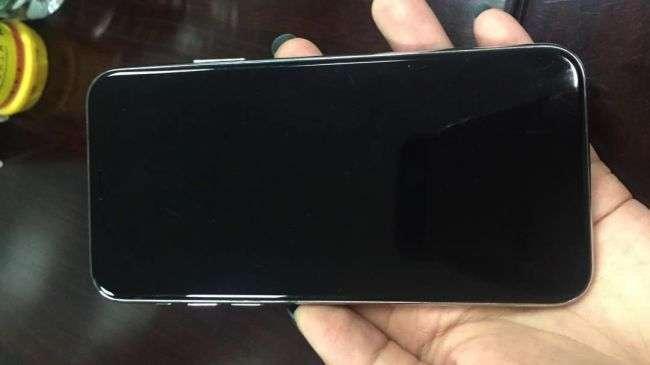 iPhone 8, Samsung guadagna 130 dollari per ogni display OLED