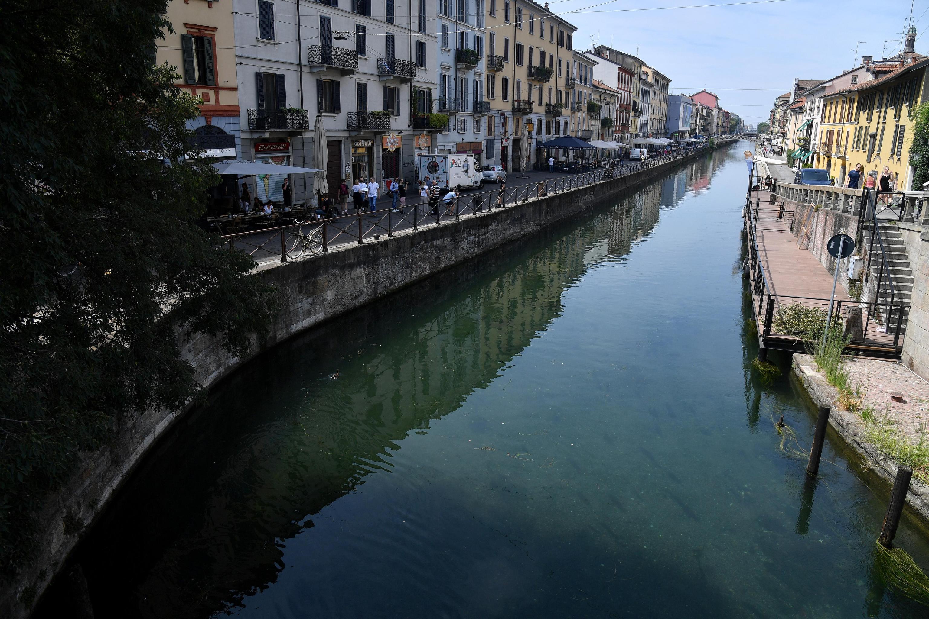 Naviglio, Walter D'Angelo a nuoto da Turbigo a Milano: record battuto dopo cento anni