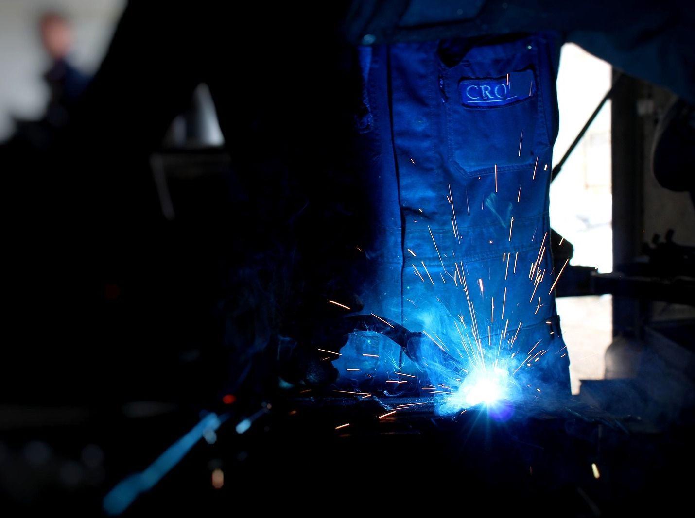 Imprenditore non trova operai: 'I giovani mi dicono che la sera fanno tardi'