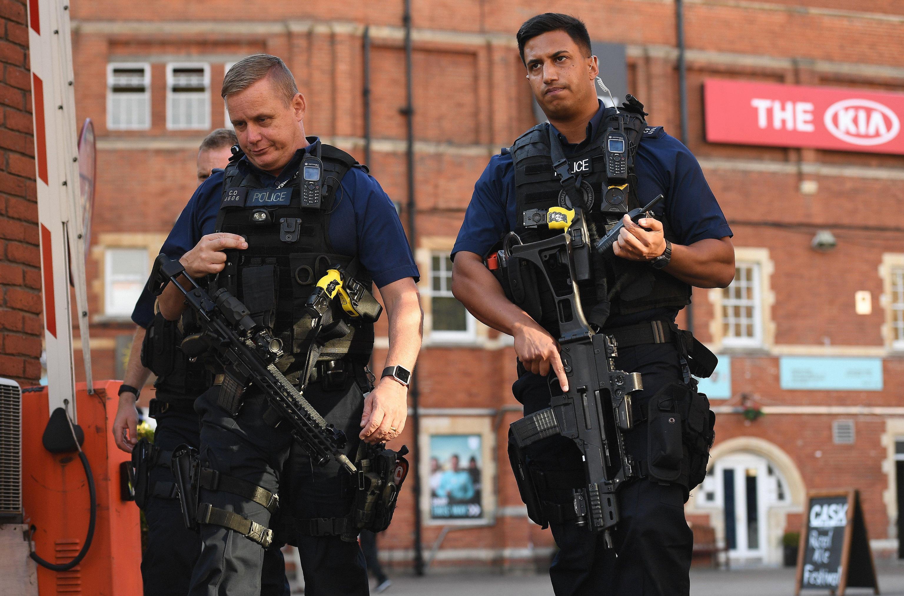 Gran Bretagna, arrestati soldati legati al gruppo neonazista fuorilegge National Action
