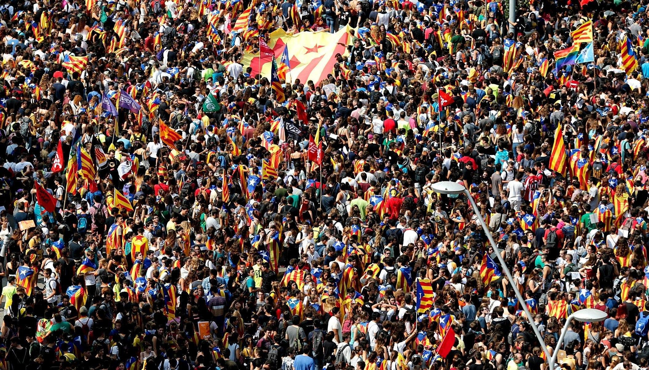 Referendum sull'indipendenza della Catalogna, tensioni in Spagna: cosa sta succedendo