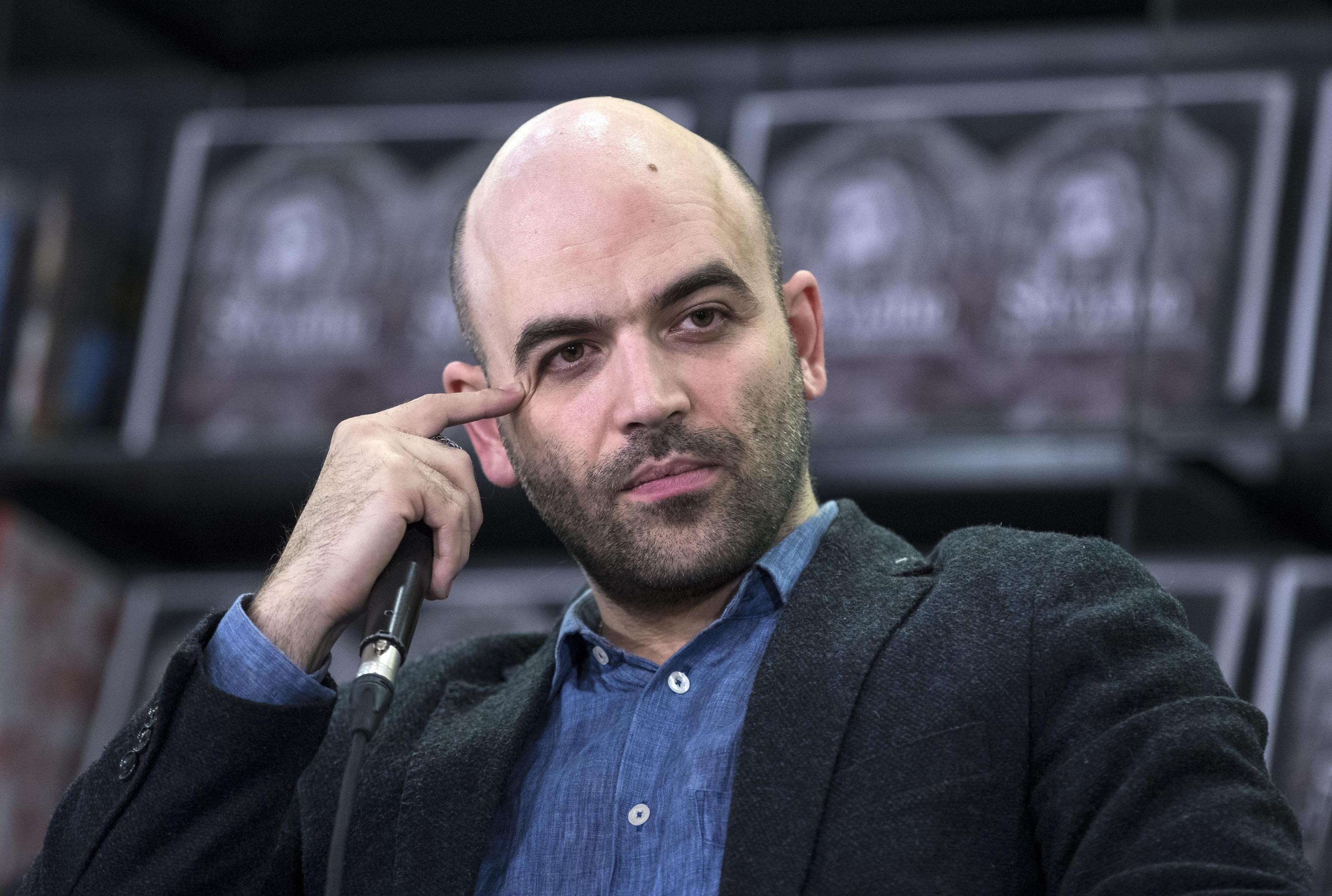 Di Maio candidato premier, Roberto Saviano lo provoca: 'Mi candido'