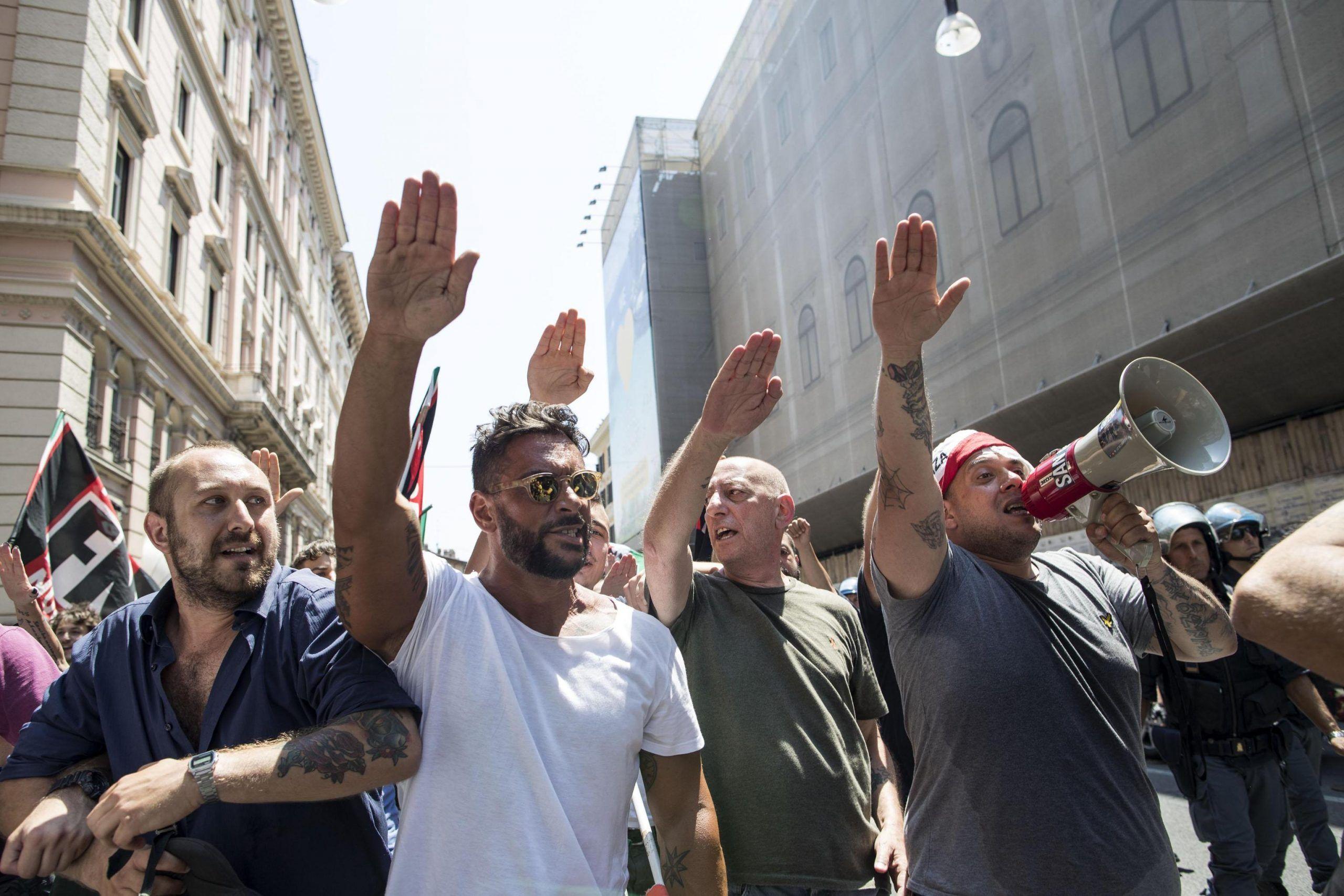Legge contro la propaganda fascista, la Camera approva il ddl Fiano