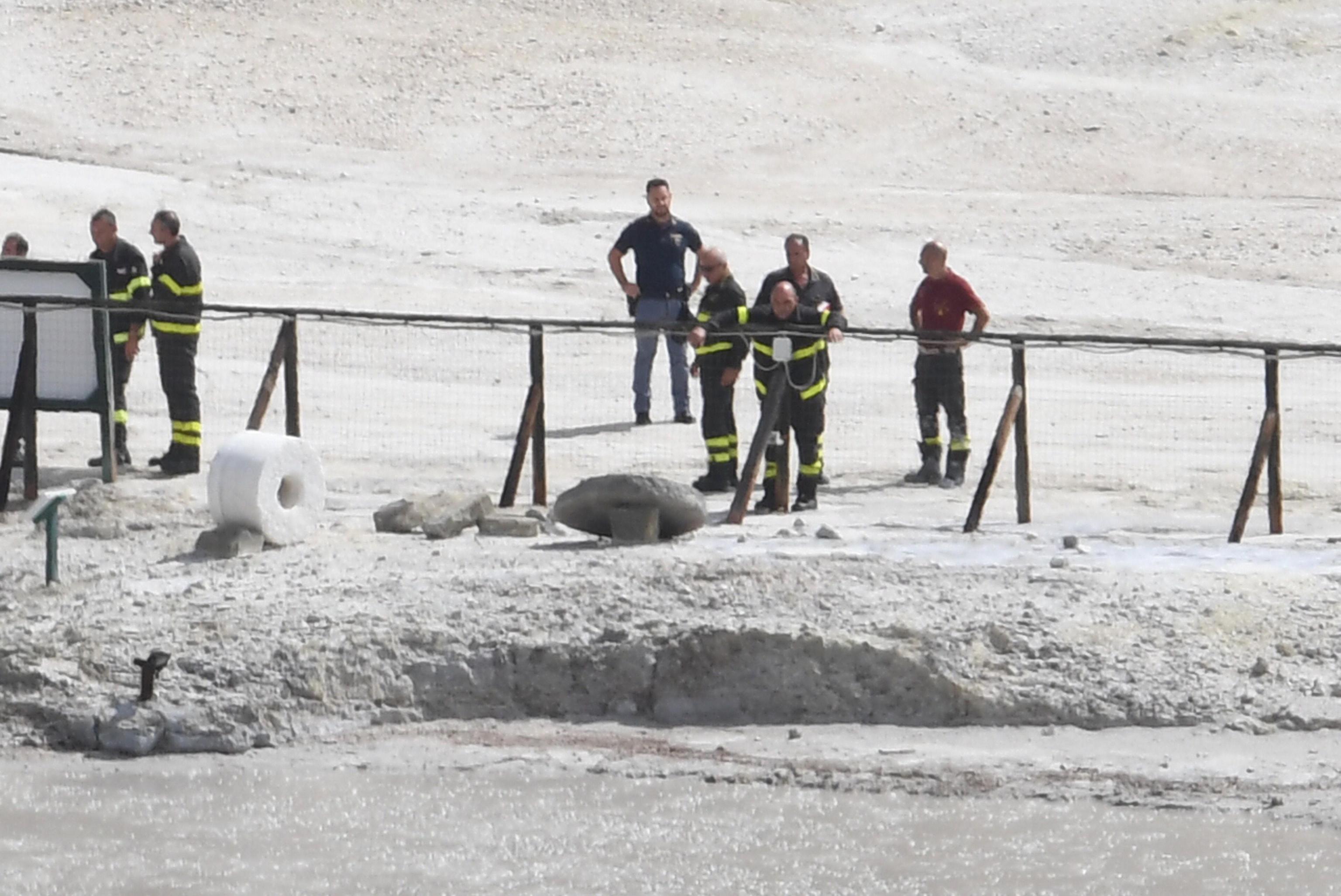 Tragedia alla Solfatara di Pozzuoli, tre morti: padre, madre e figlio perdono la vita