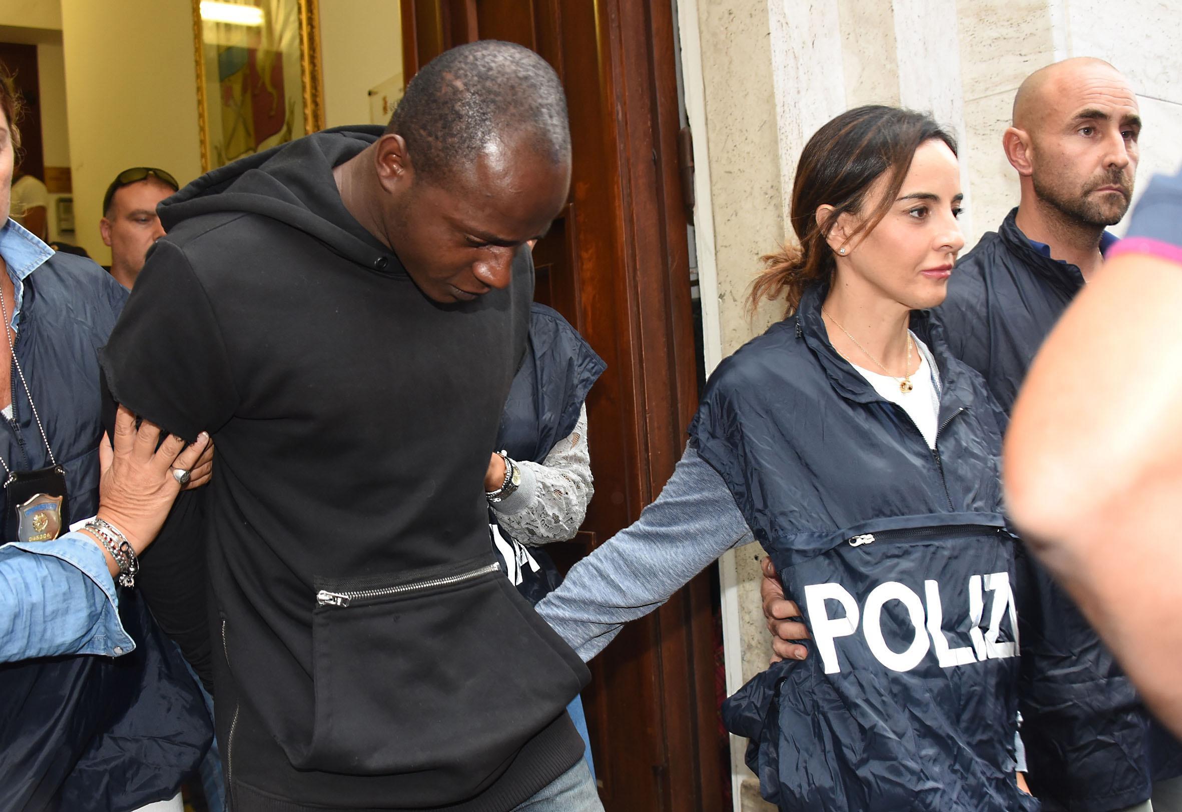 Stupro Rimini, arrestato il capobranco: è un rifugiato congolese di 20 anni