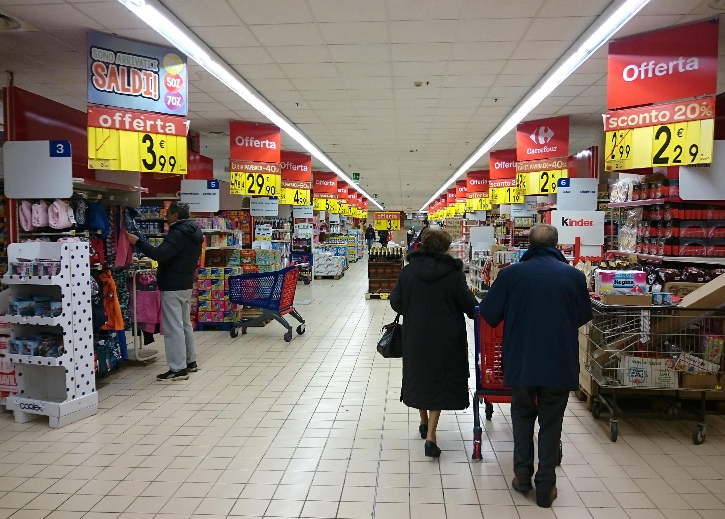 Supermercati, la classifica dei più convenienti: ma fare la spesa in posti diversi fa risparmiare
