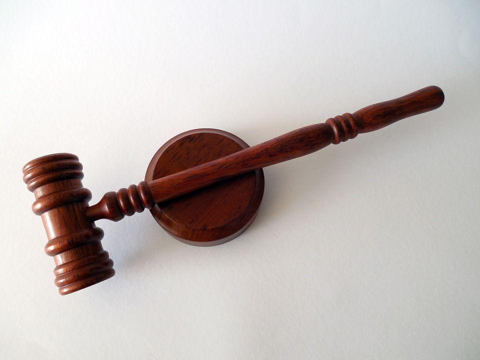 Il giudice di Trento fredda l'avvocato: 'Qui siamo in un posto civile, non a Palermo'