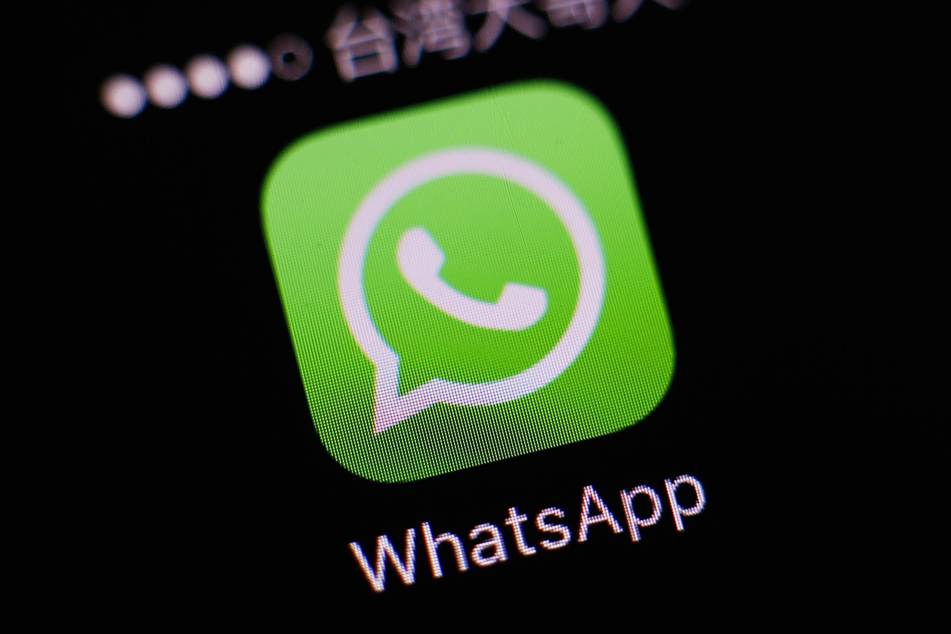 Truffe WhatsApp: attenzione al nuovo messaggio fake che attiva un servizio a pagamento