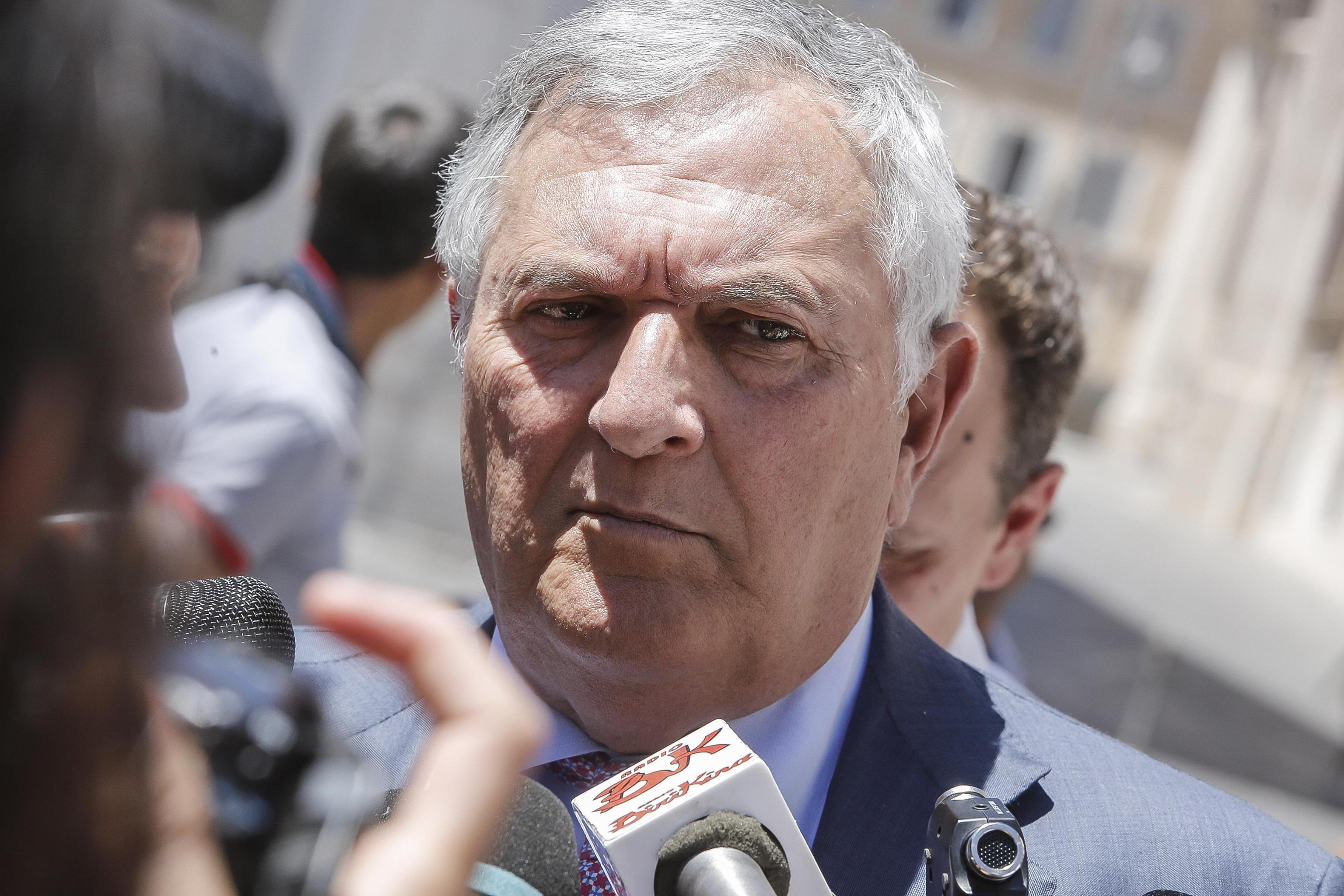 Stupri, i consigli choc del senatore D'Anna: 'Donne, siate caute: il corpo è oggetto di desiderio'