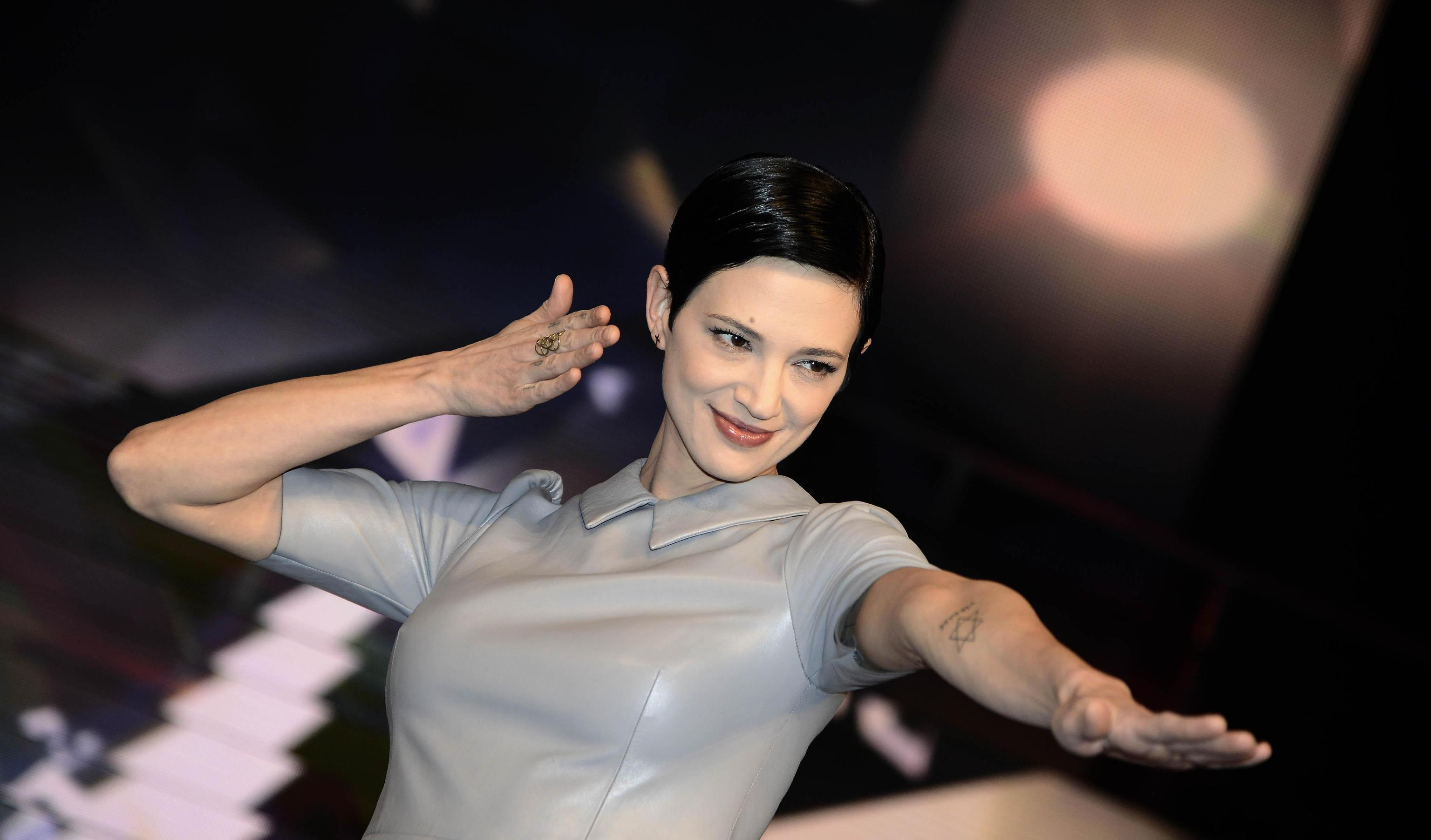 Asia Argento lascia l'Italia, gli appelli di Laura Boldrini ed Emma Bonino