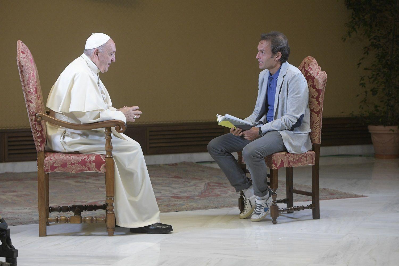 Foto Papa e don Marco Pozza a Padre Nostro