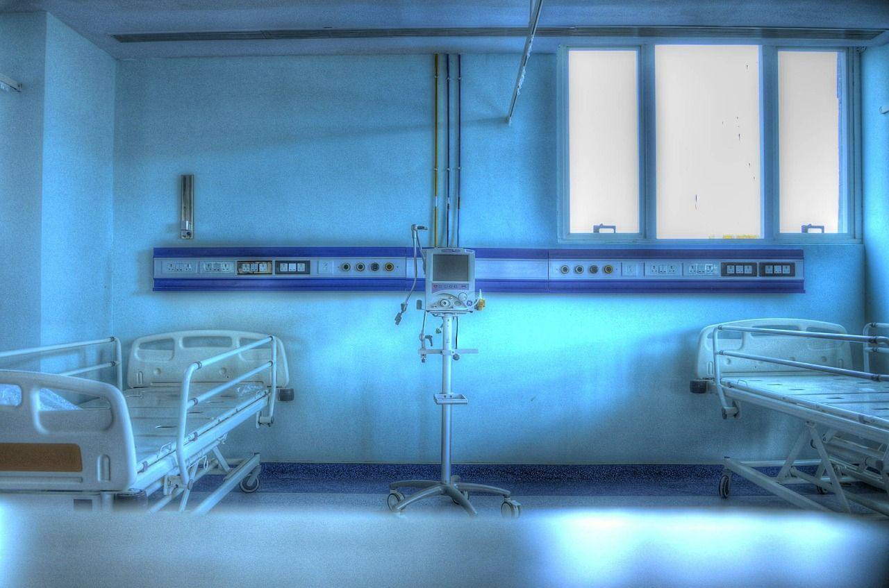 Malato grave perde sostegno dall'Inps: l'azienda continua a pagargli lo stipendio