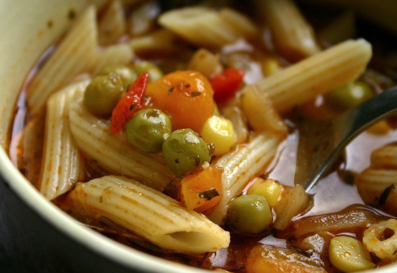 Intossicati al ristorante di Varazze: trovate tracce di allucinogeni nel minestrone