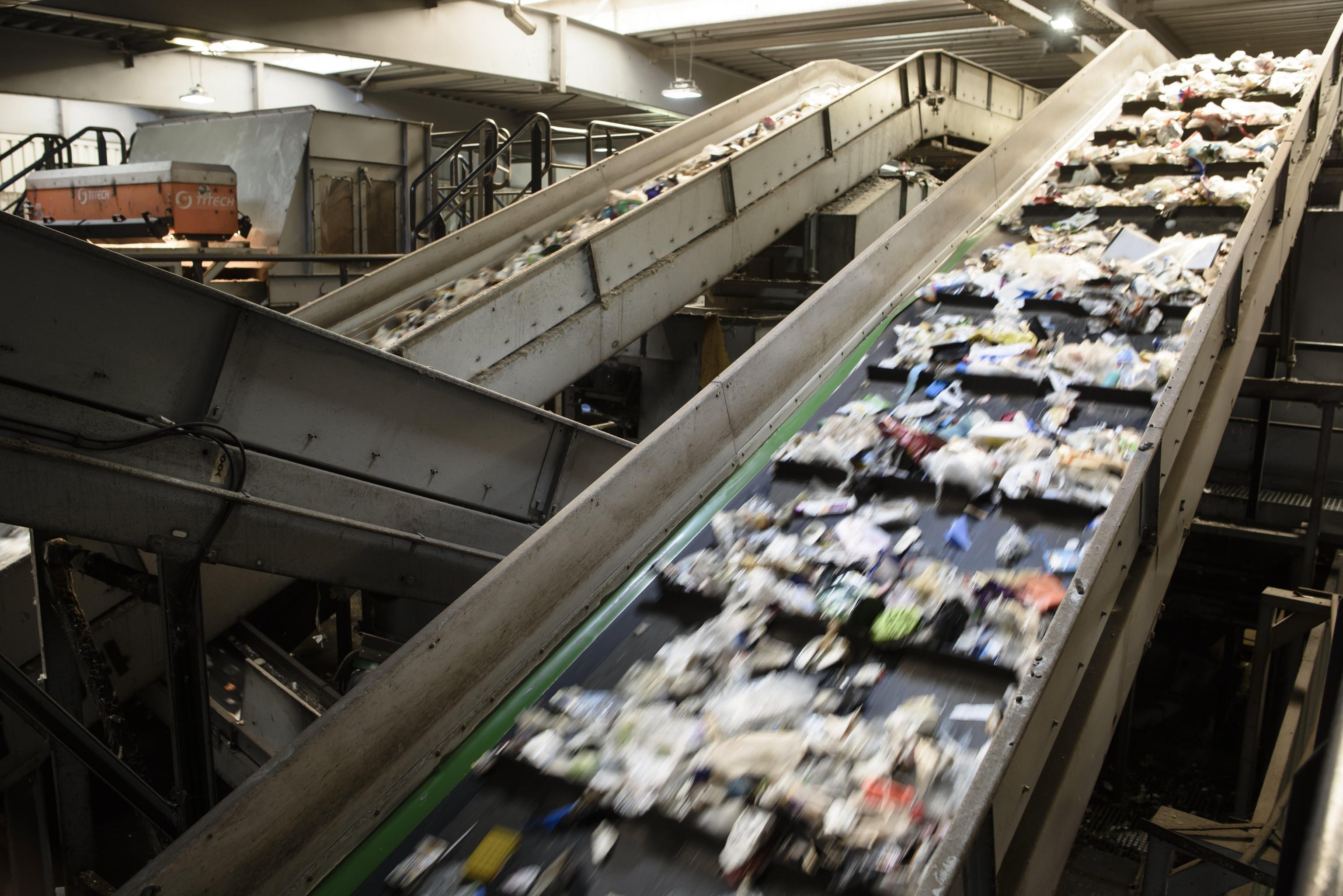 Riciclo dei rifiuti: migliora la raccolta differenziata, +59% di imballaggi compostabili