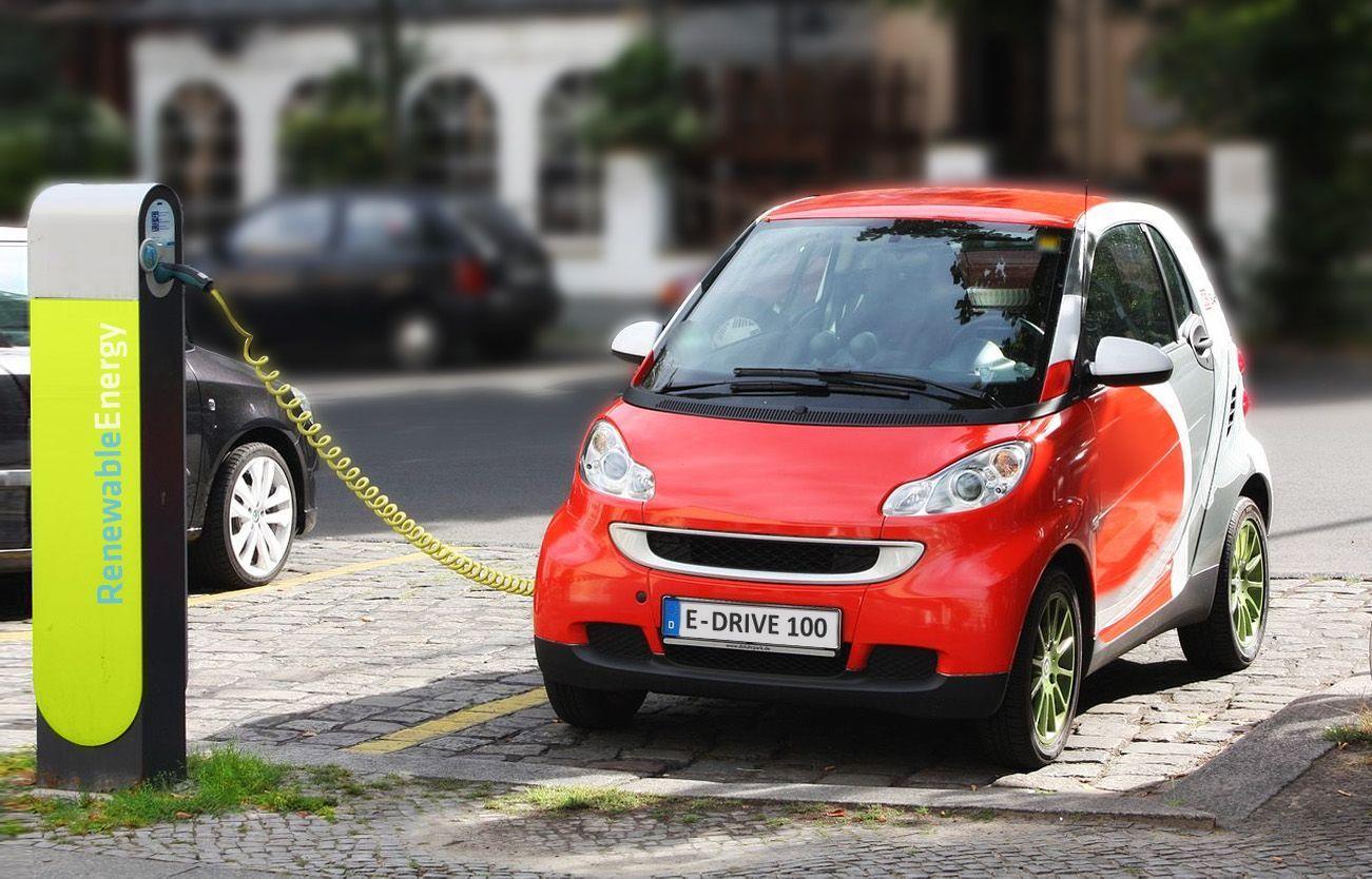 Auto elettriche, gli incentivi e le migliori macchine nuove o usate in commercio