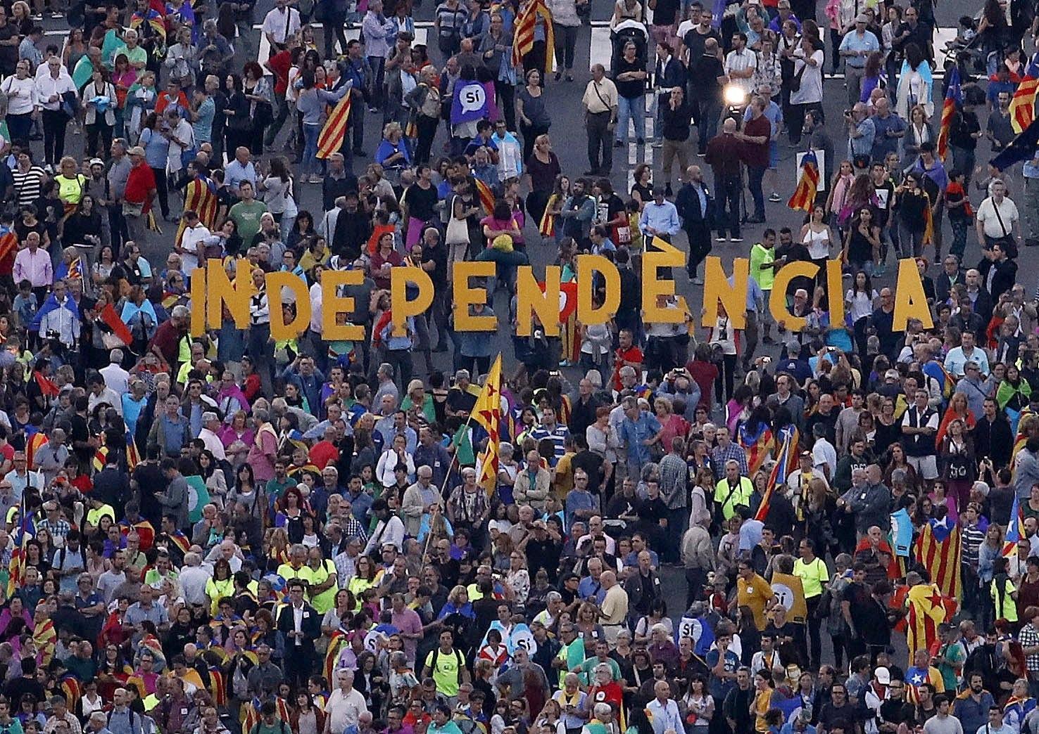 >>>ANSA/REFERENDUM IN CATALOGNA, MADRID BARCELLONA AI FERRI CORTI