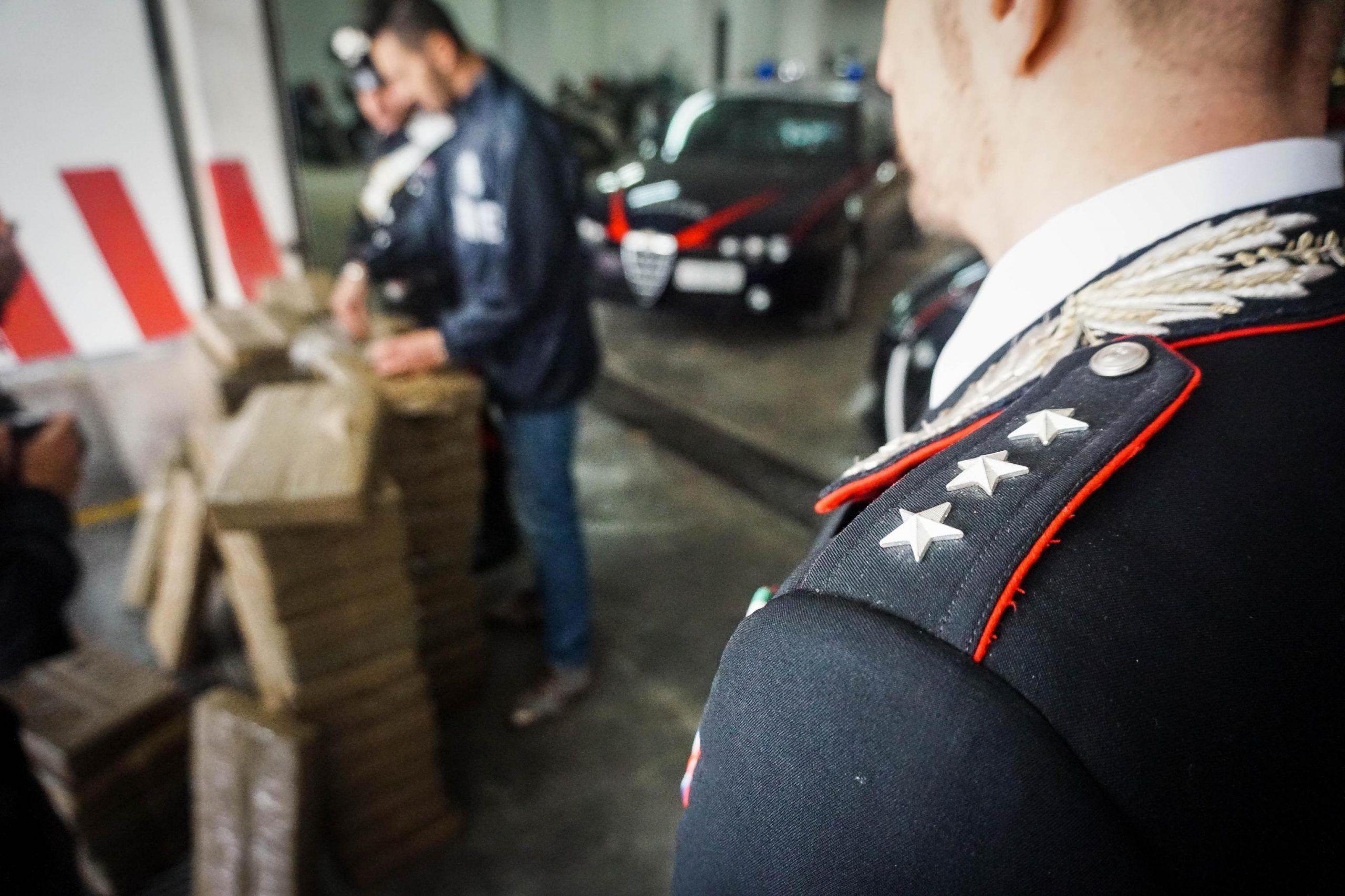 Droga:800 chili di hascisc sequestrati dai Cc nel Napoletano
