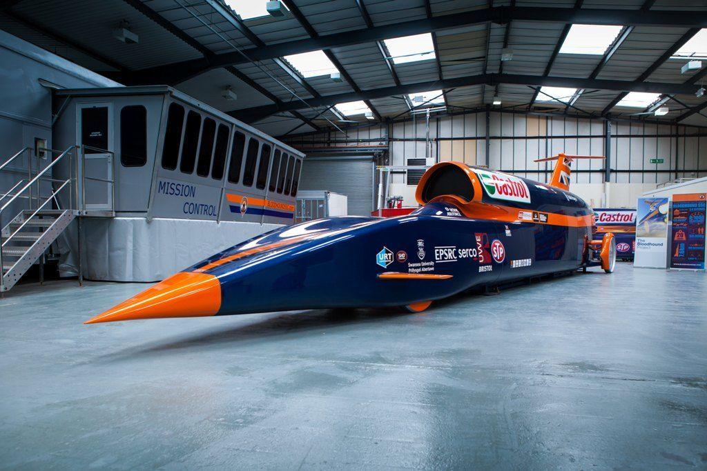 Auto più veloci al mondo, fino a 1.600 km/h oltre il muro del suono