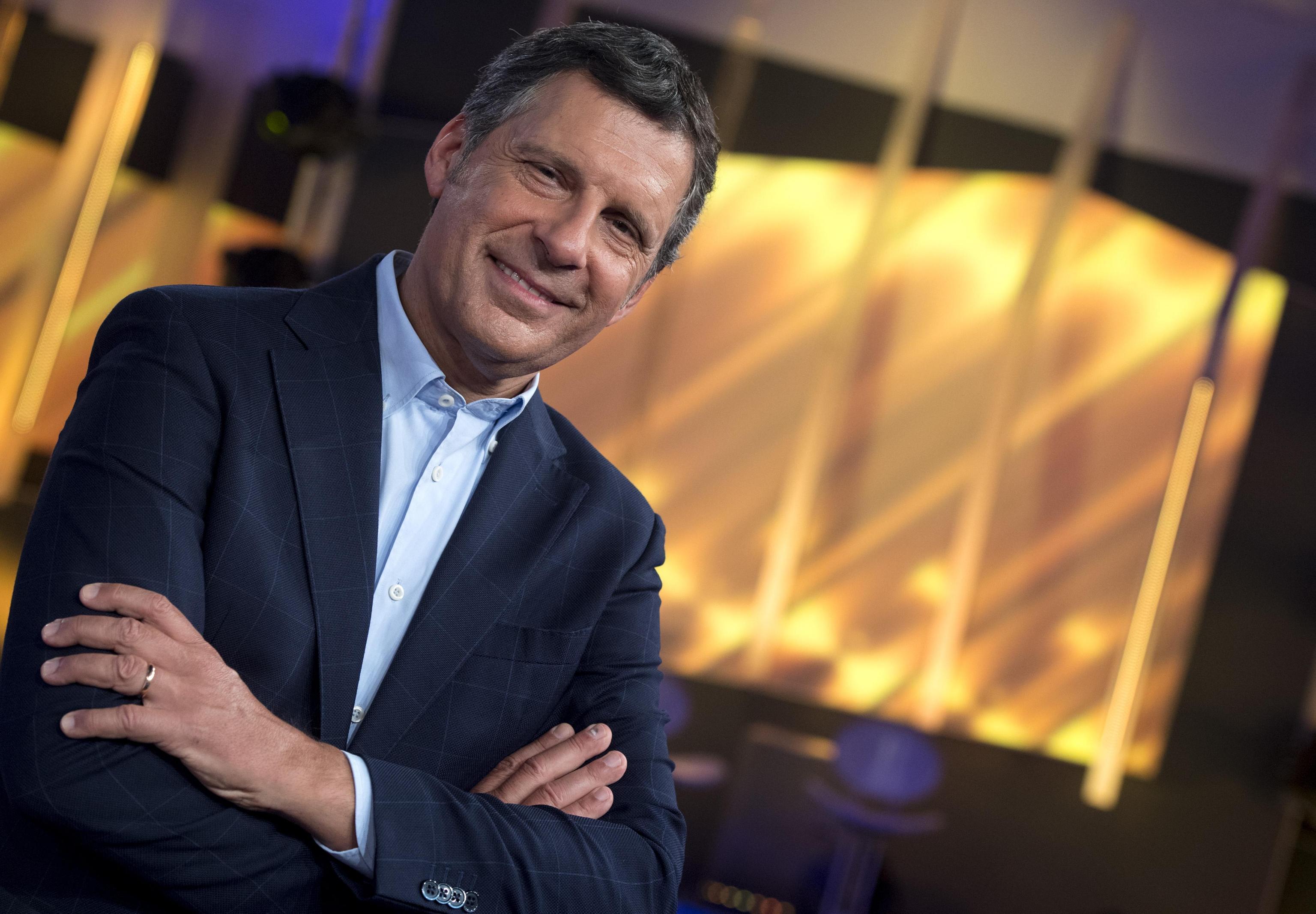 Fabrizio Frizzi news: gli auguri dei colleghi vip dopo il malore