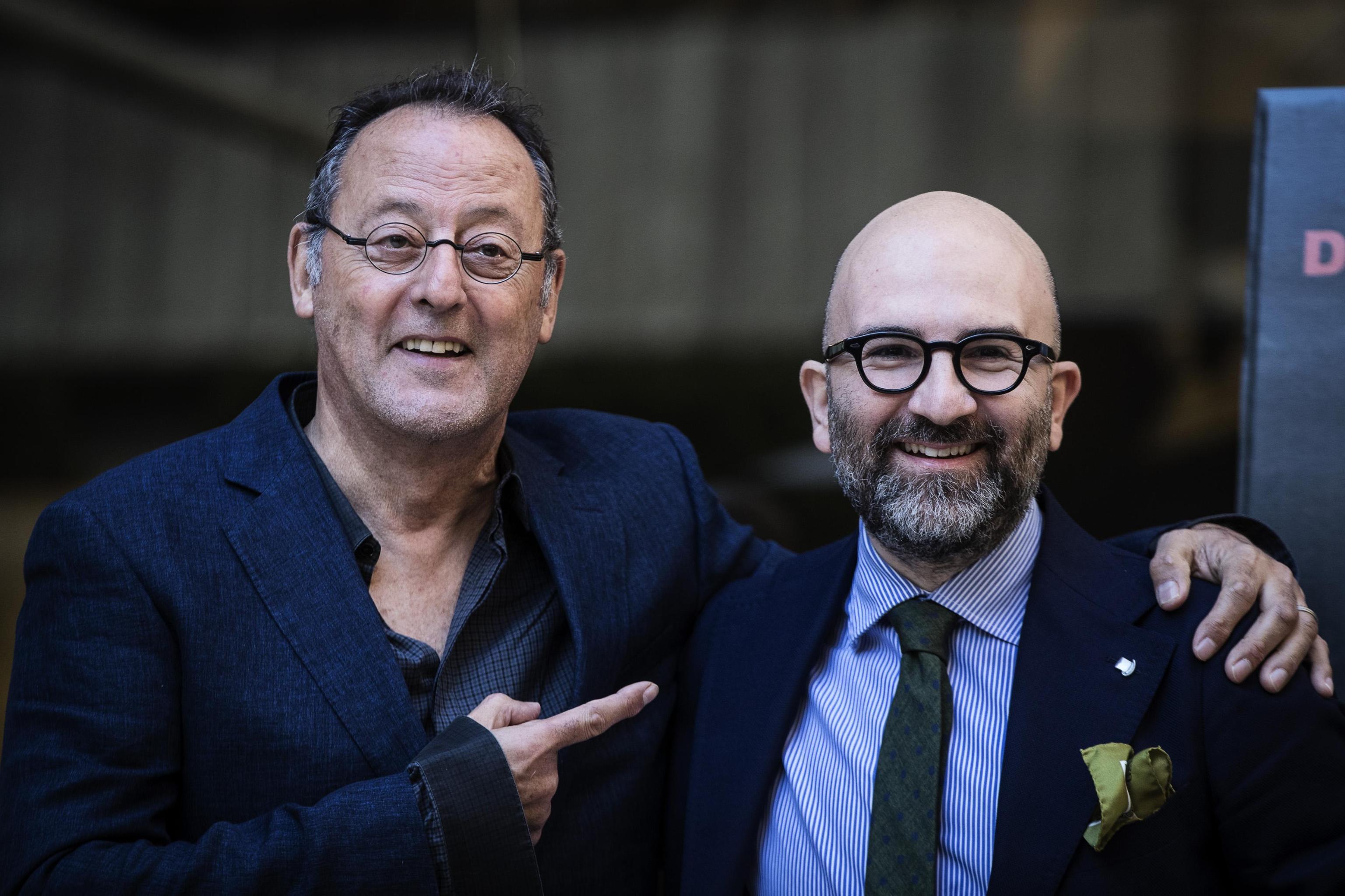 'La ragazza nella nebbia', Donato Carrisi debutta al cinema: il thriller con Toni Servillo e Jean Reno
