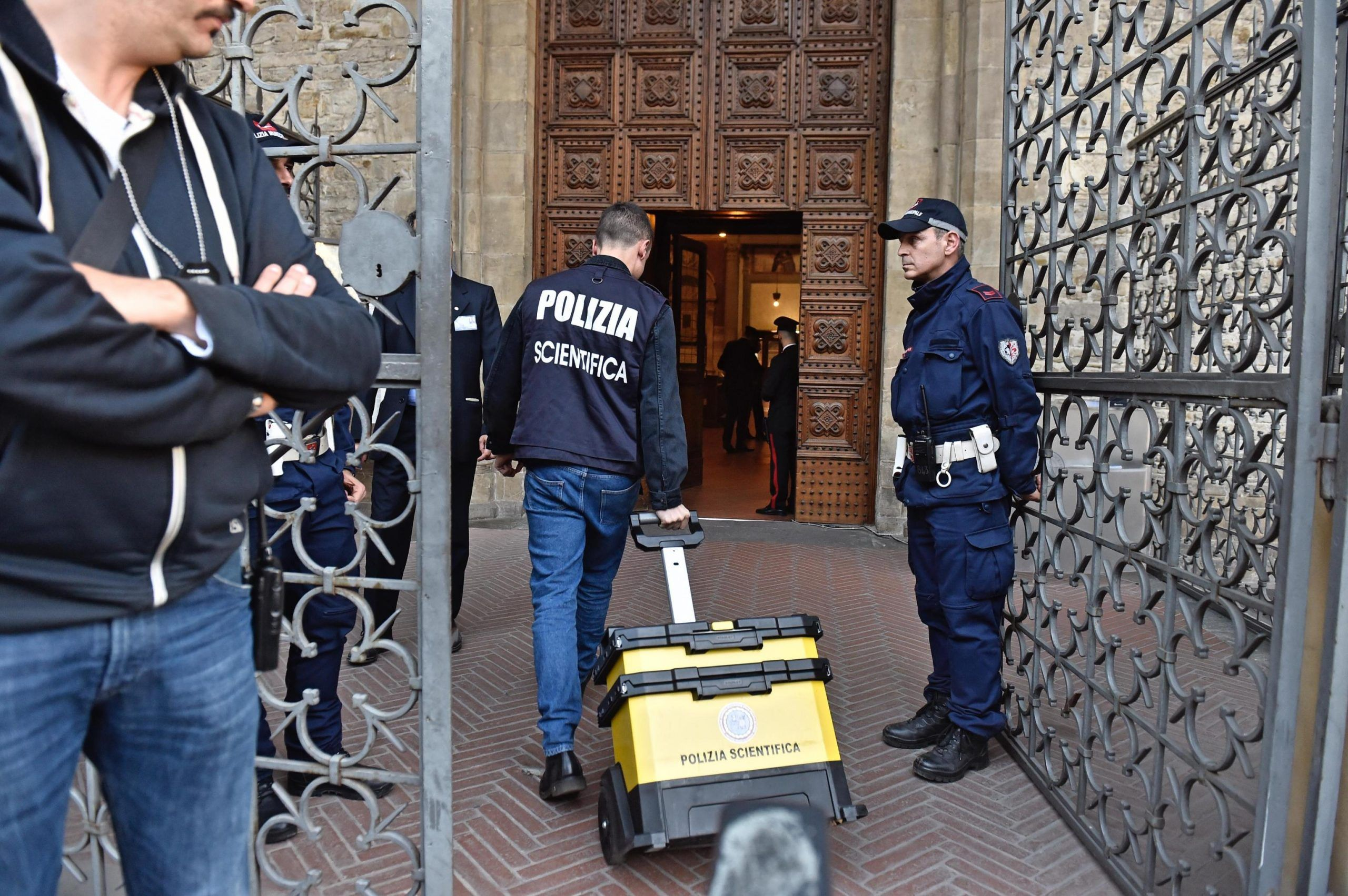 ++ Tourist killed by falling stone in Florence basilica ++