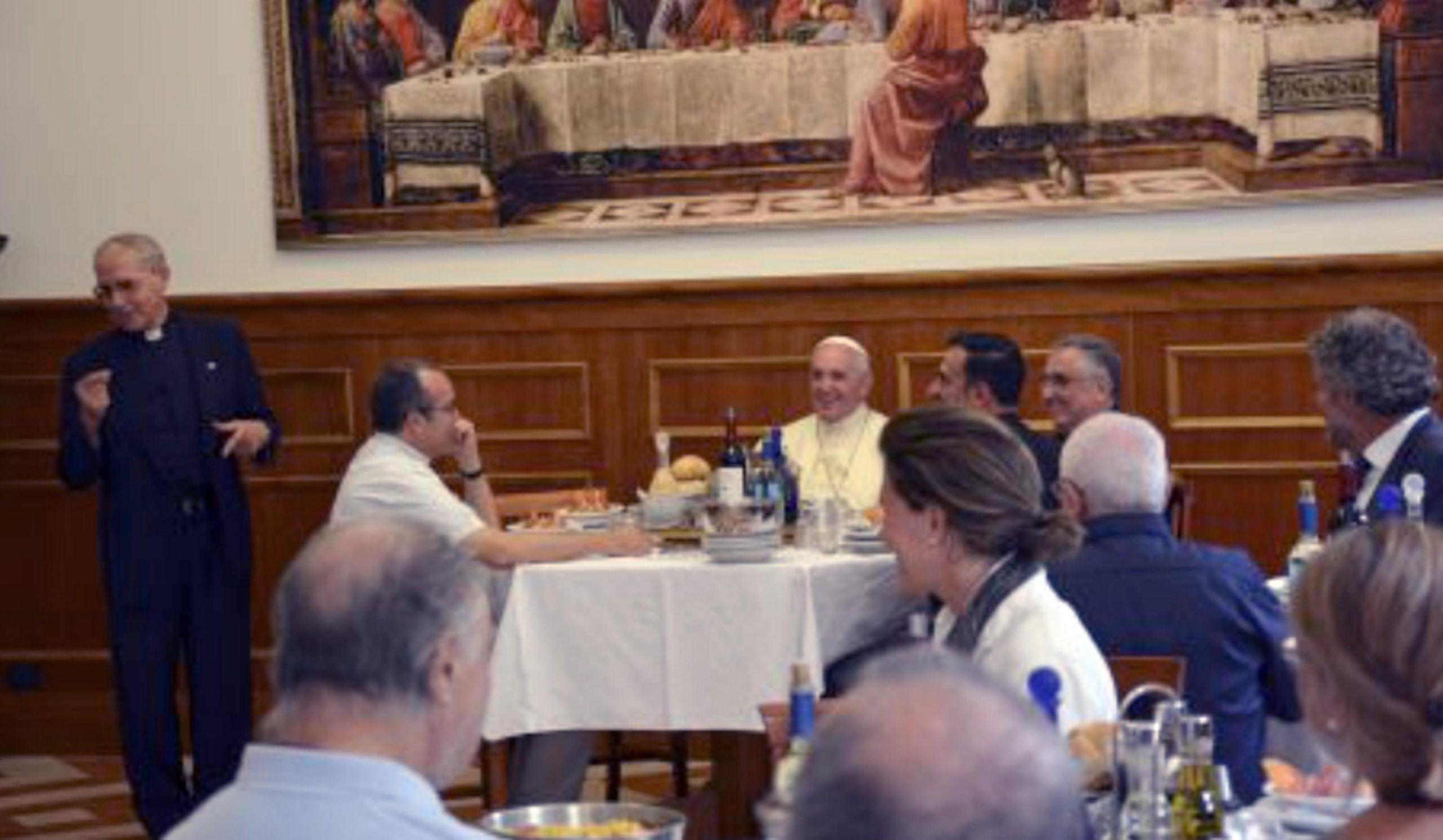 Papa: a pranzo con confratelli gesuiti per festa S. Ignazio