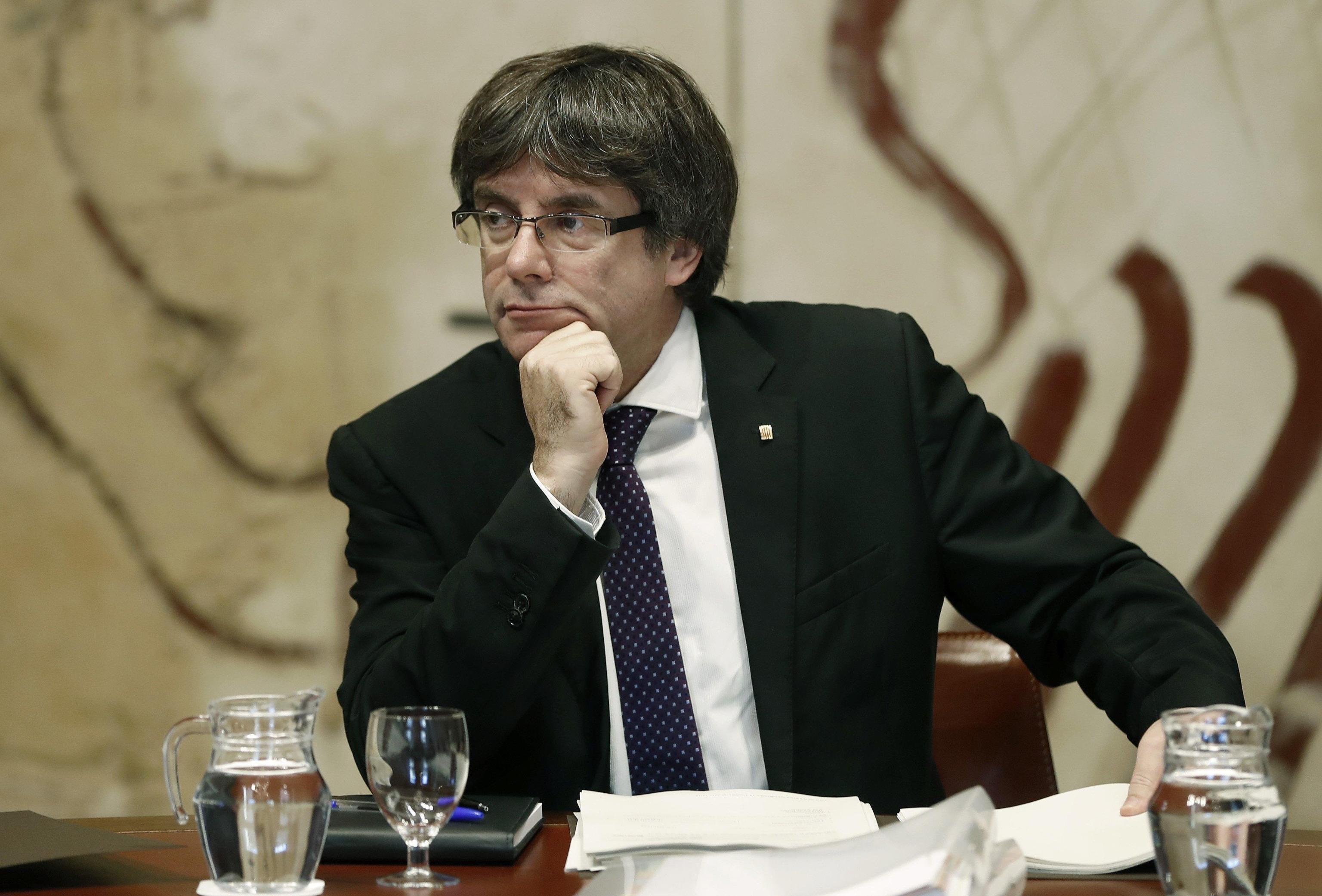 Indipendenza Catalogna, Madrid applicherà l'articolo 155. Puigdemont: 'Avanti con l'indipendenza'