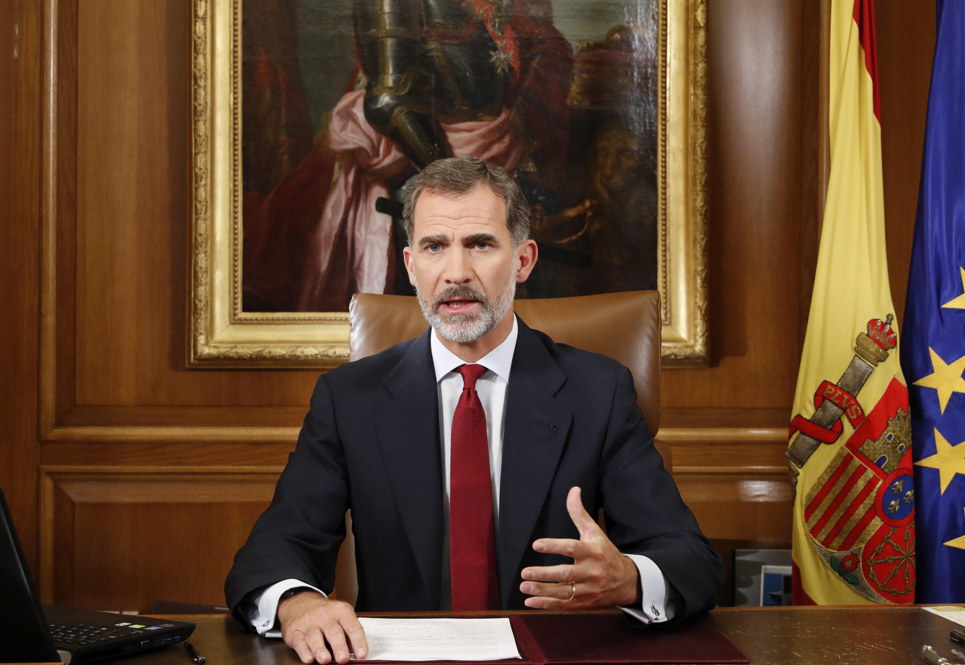 Referendum Catalogna, Re Felipe contro gli indipendentisti: 'Slealtà inammissibile'