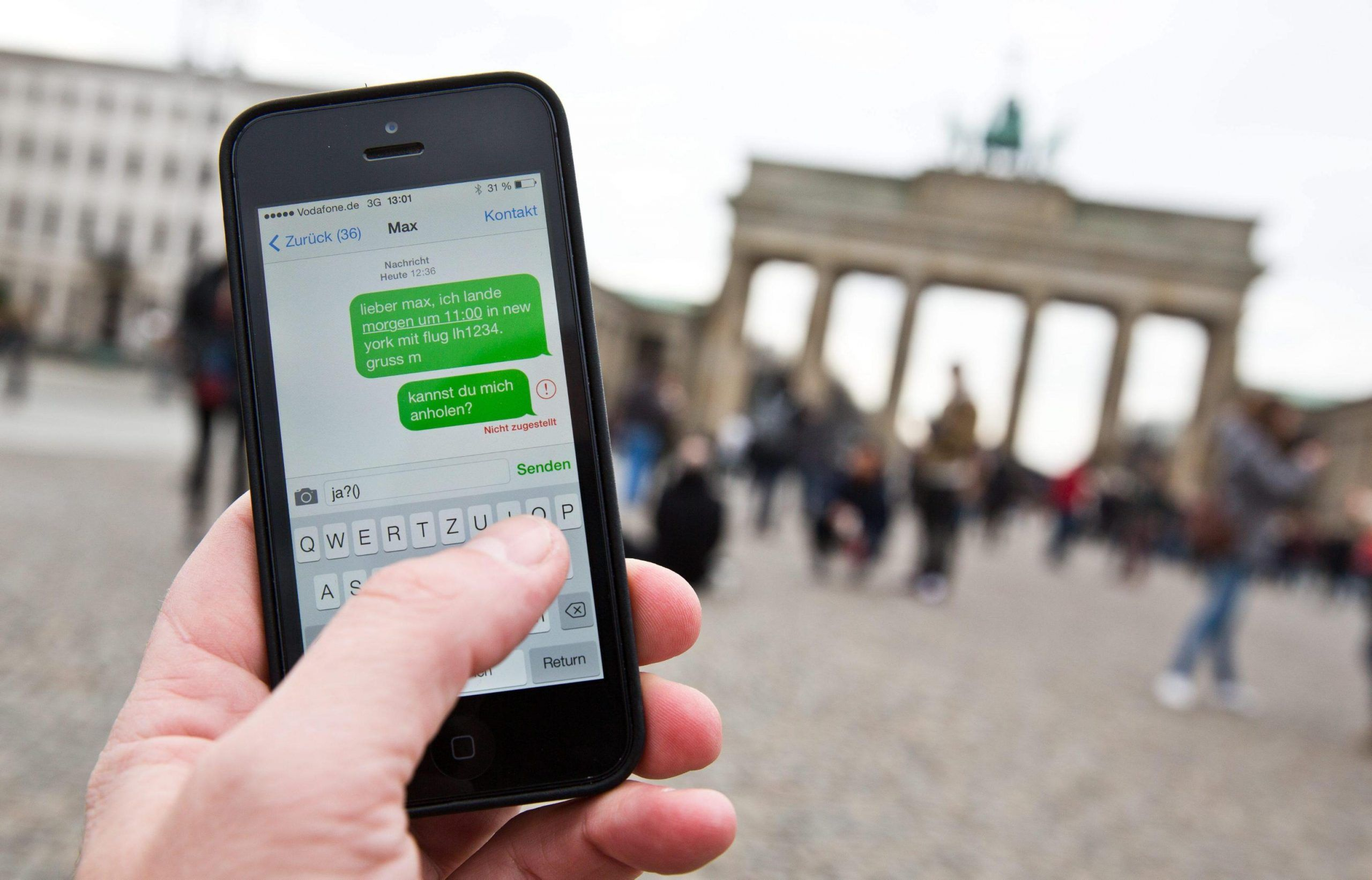 Dati personali su cellulare e web: con le nuove norme sarà sorveglianza di massa?