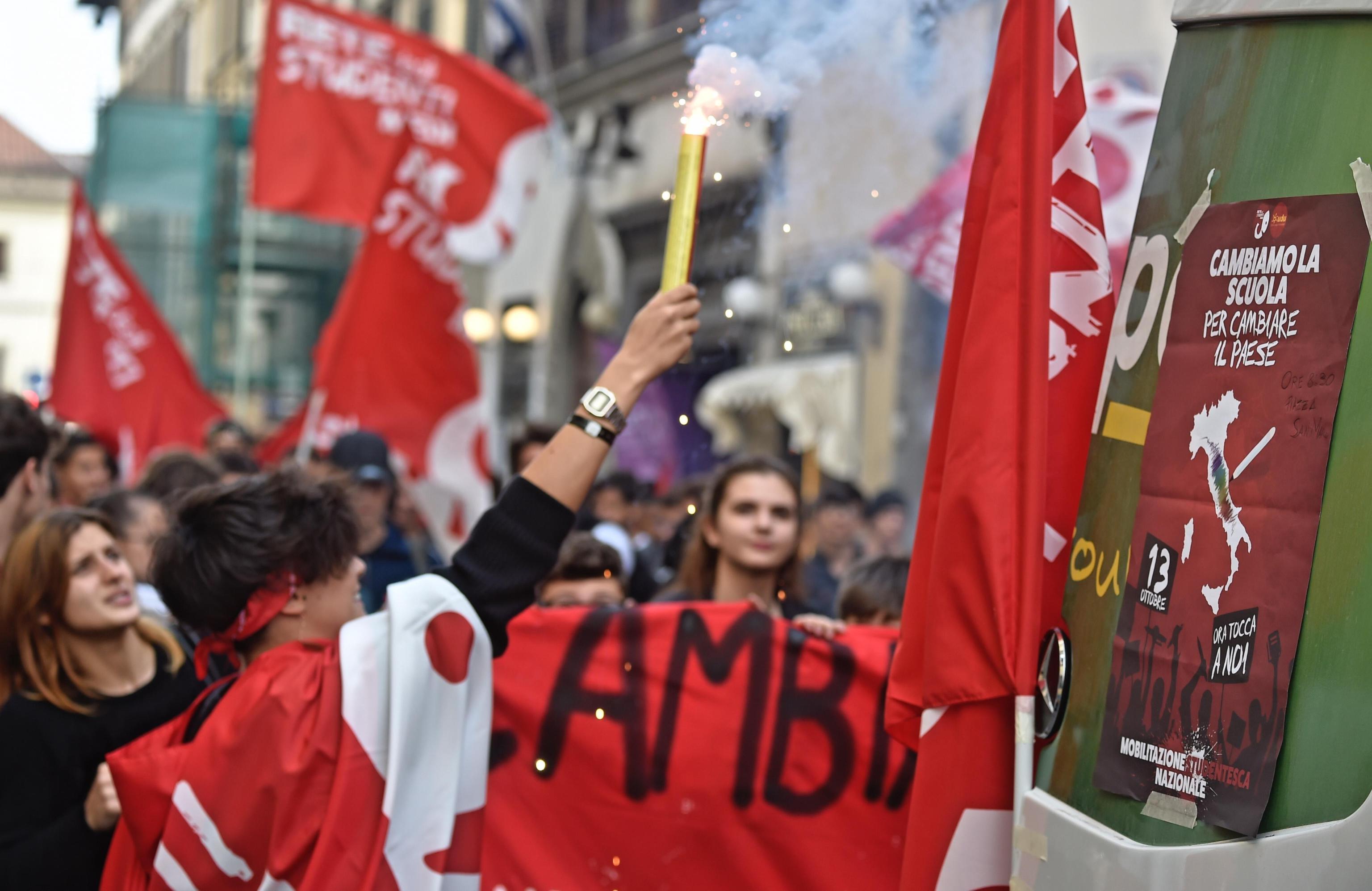 Alternanza scuola-lavoro, studenti in piazza 'contro lo sfruttamento'