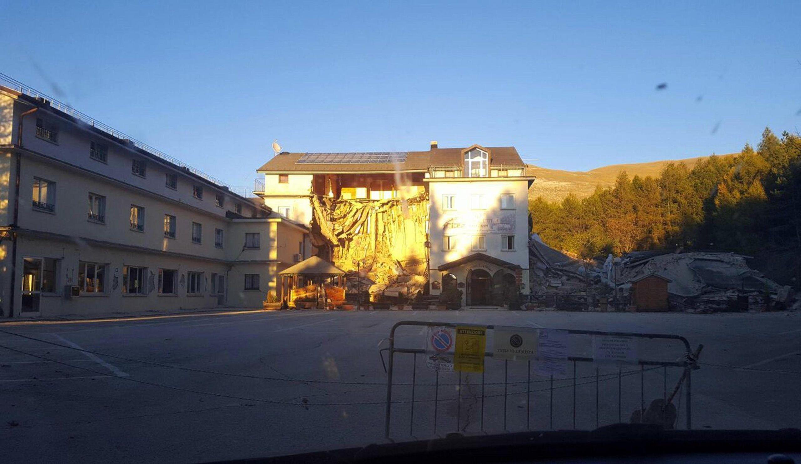 Terremoto: crollato hotel vicino impianti sciistici Ussita