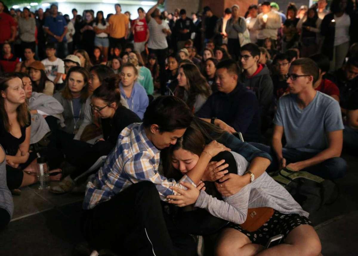 Sparatoria a Las Vegas: 59 morti al concerto di musica country