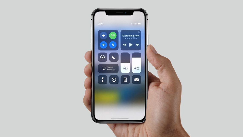 Schermo rotto iPhone X: quanto costa ripararlo