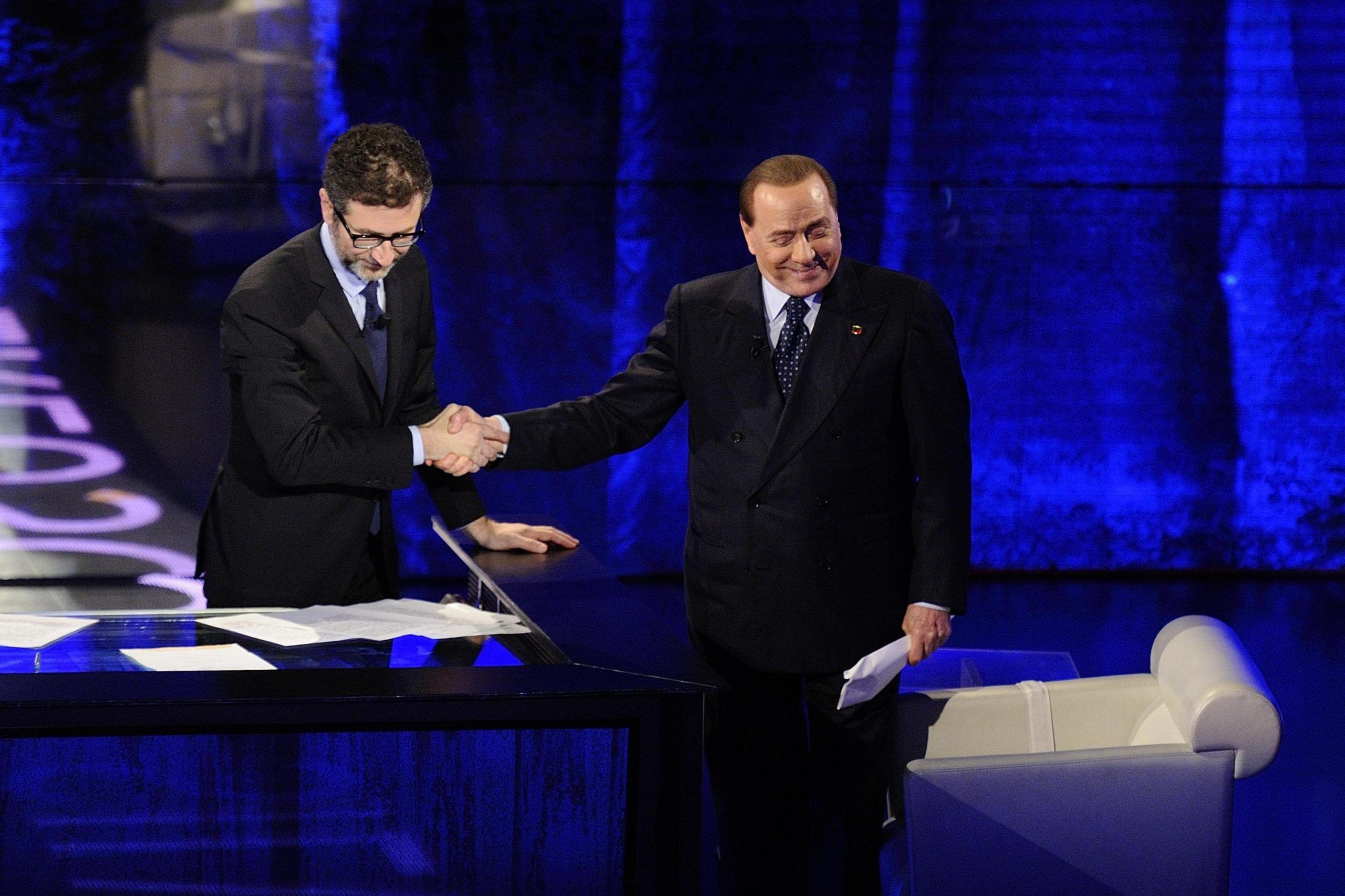 Berlusconi scherza con Fazio, è invecchiato, via la barba