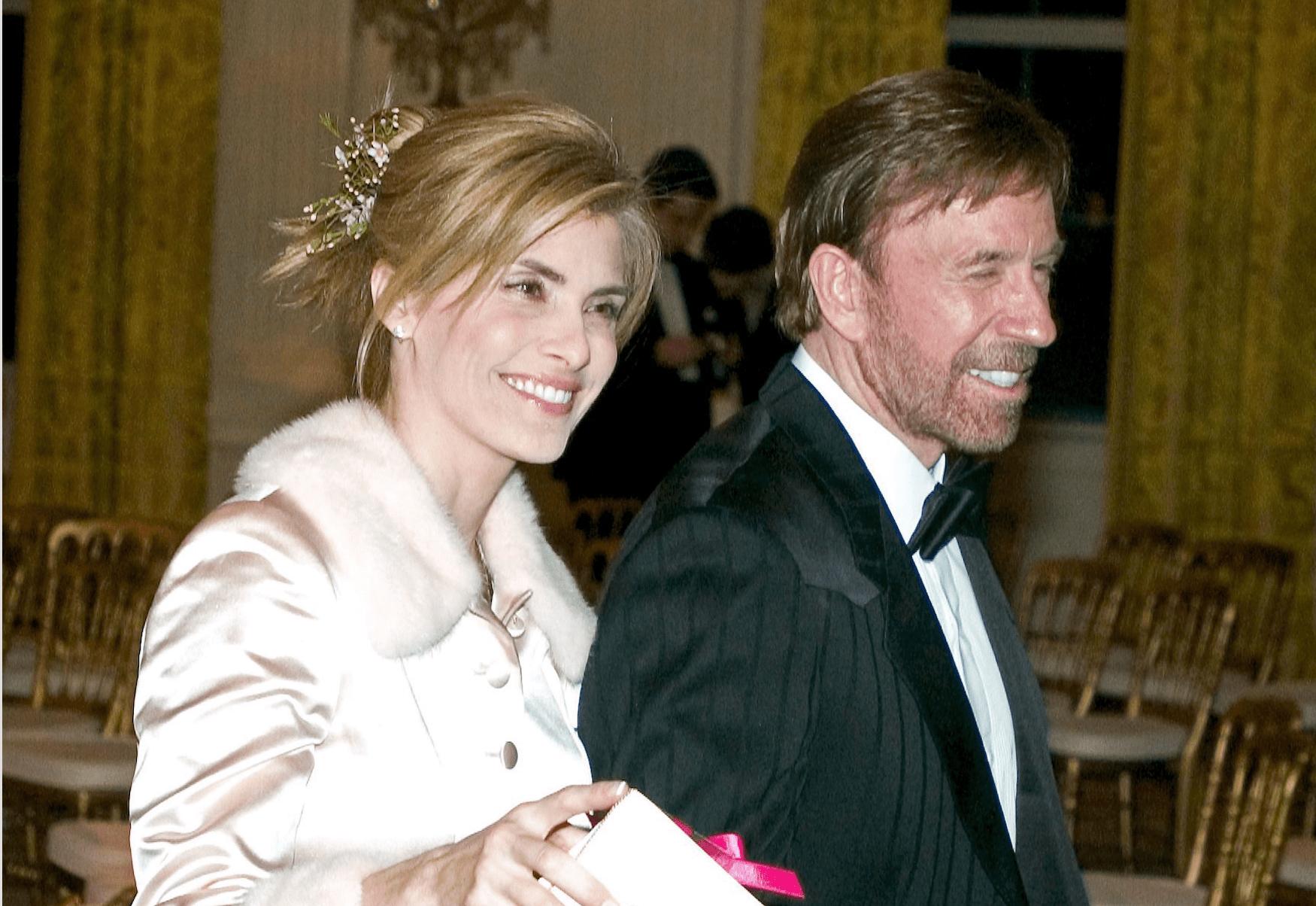 Chuck Norris e la moglie Gena O'Kelley avvelenata: l'attore denuncia le case farmaceutiche