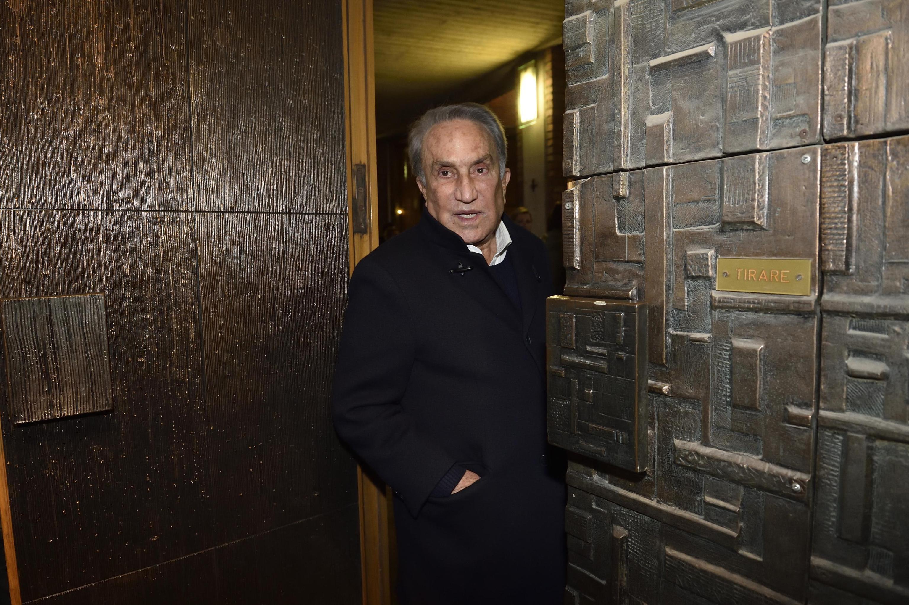 Emilio Fede: 'Molestie sessuali, non capisco il piagnisteo: con una donna non prendo più neanche l'ascensore'