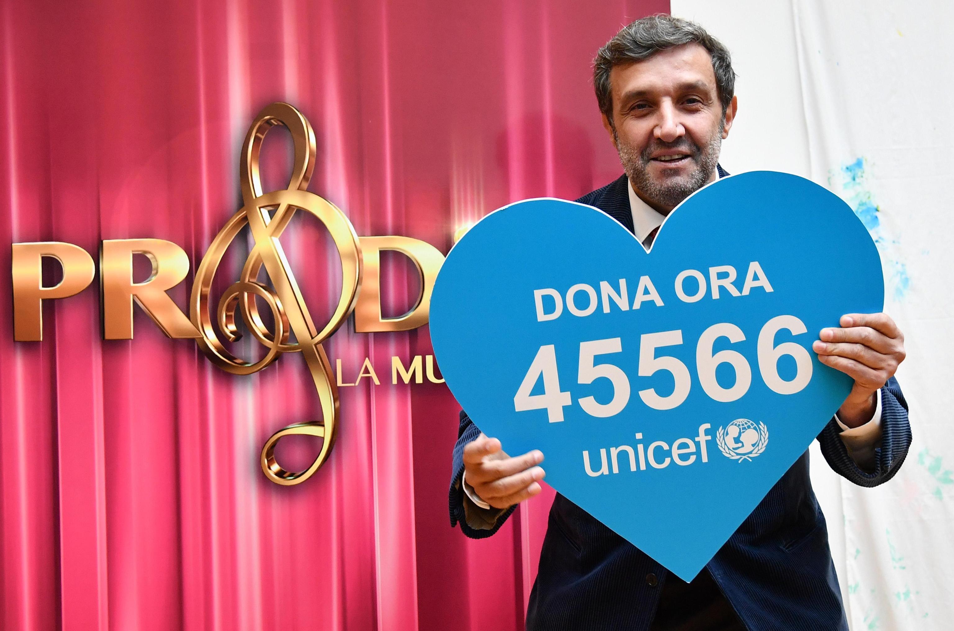Flavio Insinna: 'Mai dato del pezzente al giornalista: donate all'Unicef!'
