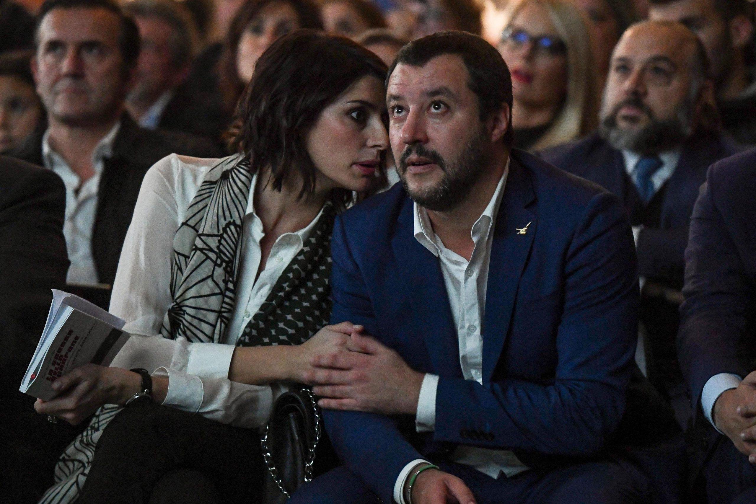 Elisa Isoardi e Matteo Salvini fidanzati ufficialmente: lui incontra la mamma di lei