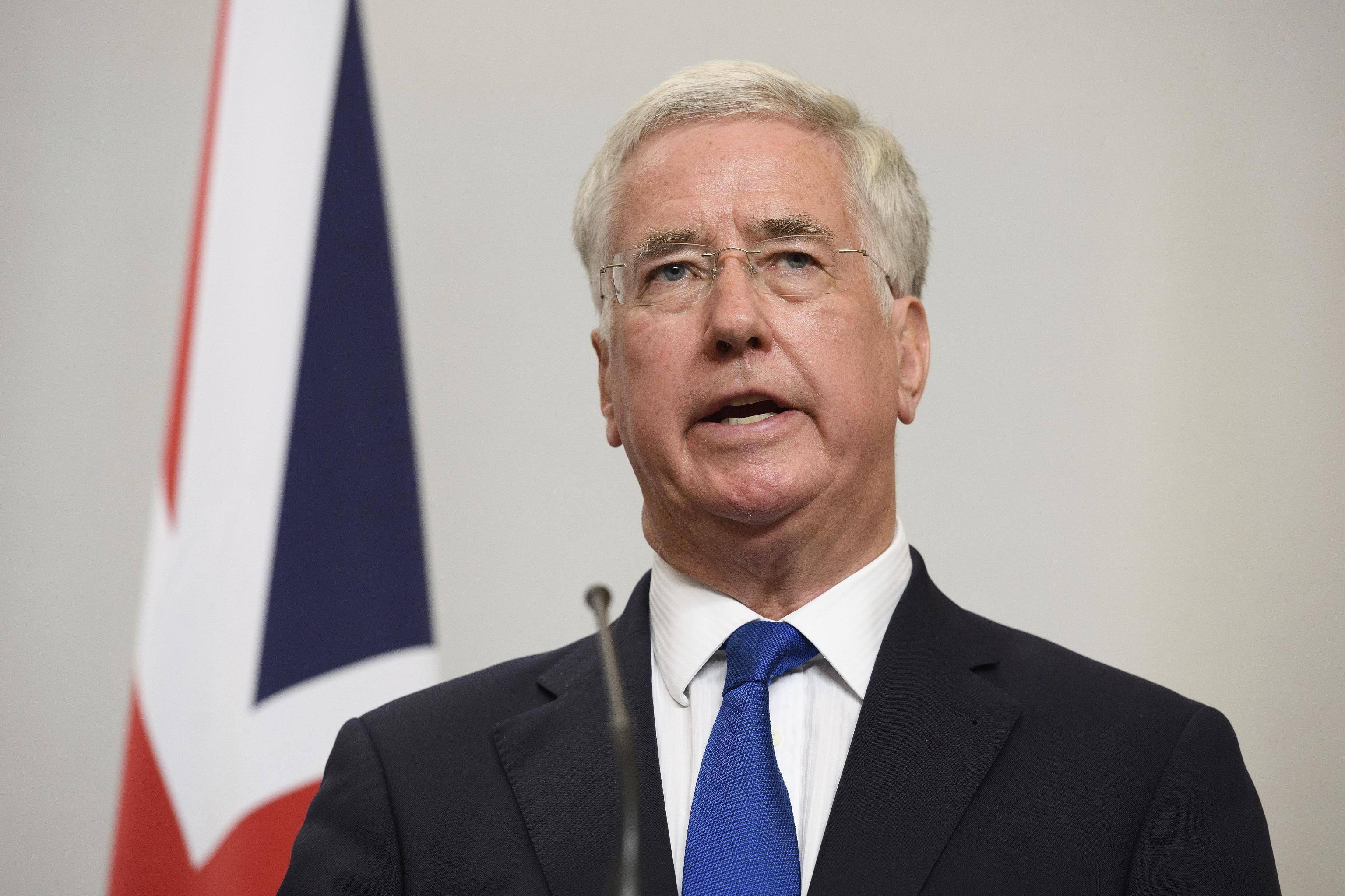 Molestie, si dimette il ministro britannico Fallon