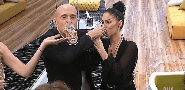 GF VIP 2, Alfonso Signorini e Giulia De Lellis pace fatta: bevono dallo stesso bicchiere