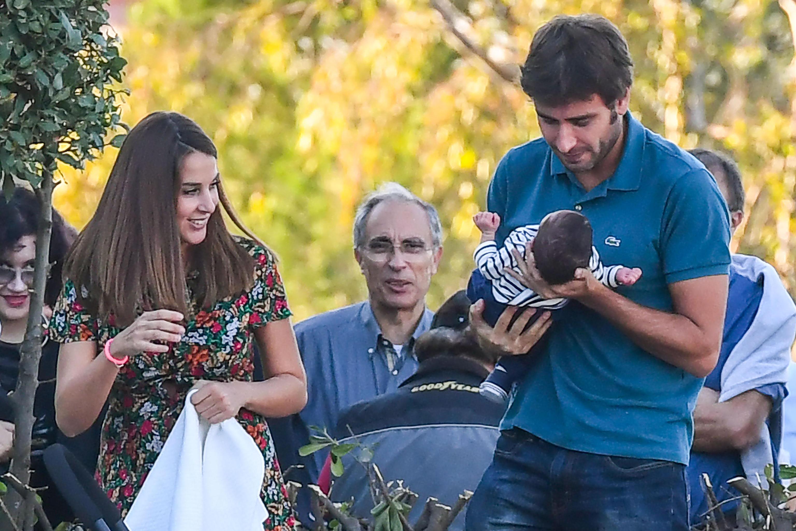 M5S: Di Battista con figlio e fidanzata